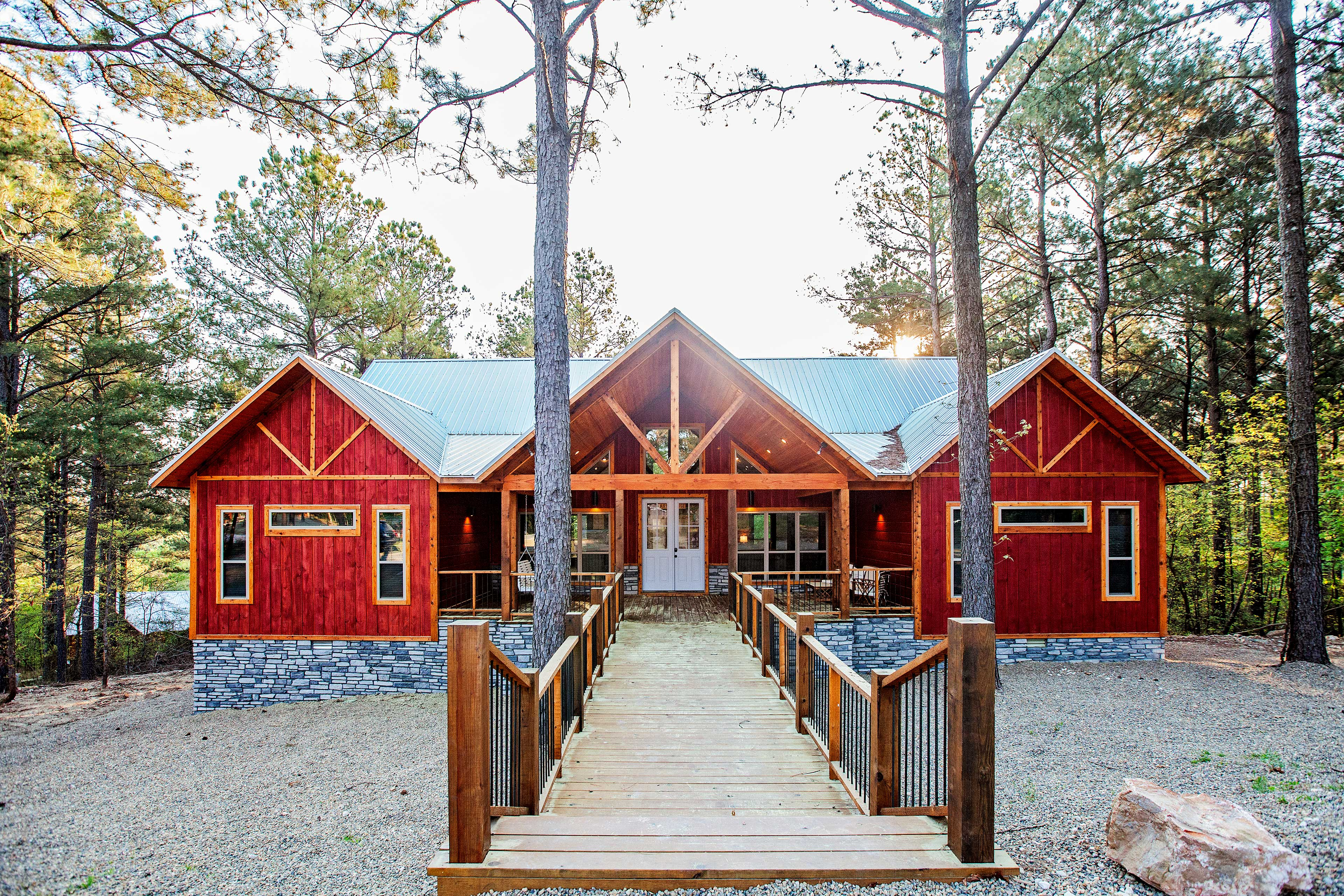 This cabin is an unbeatable destination for your Broken Bow retreat!