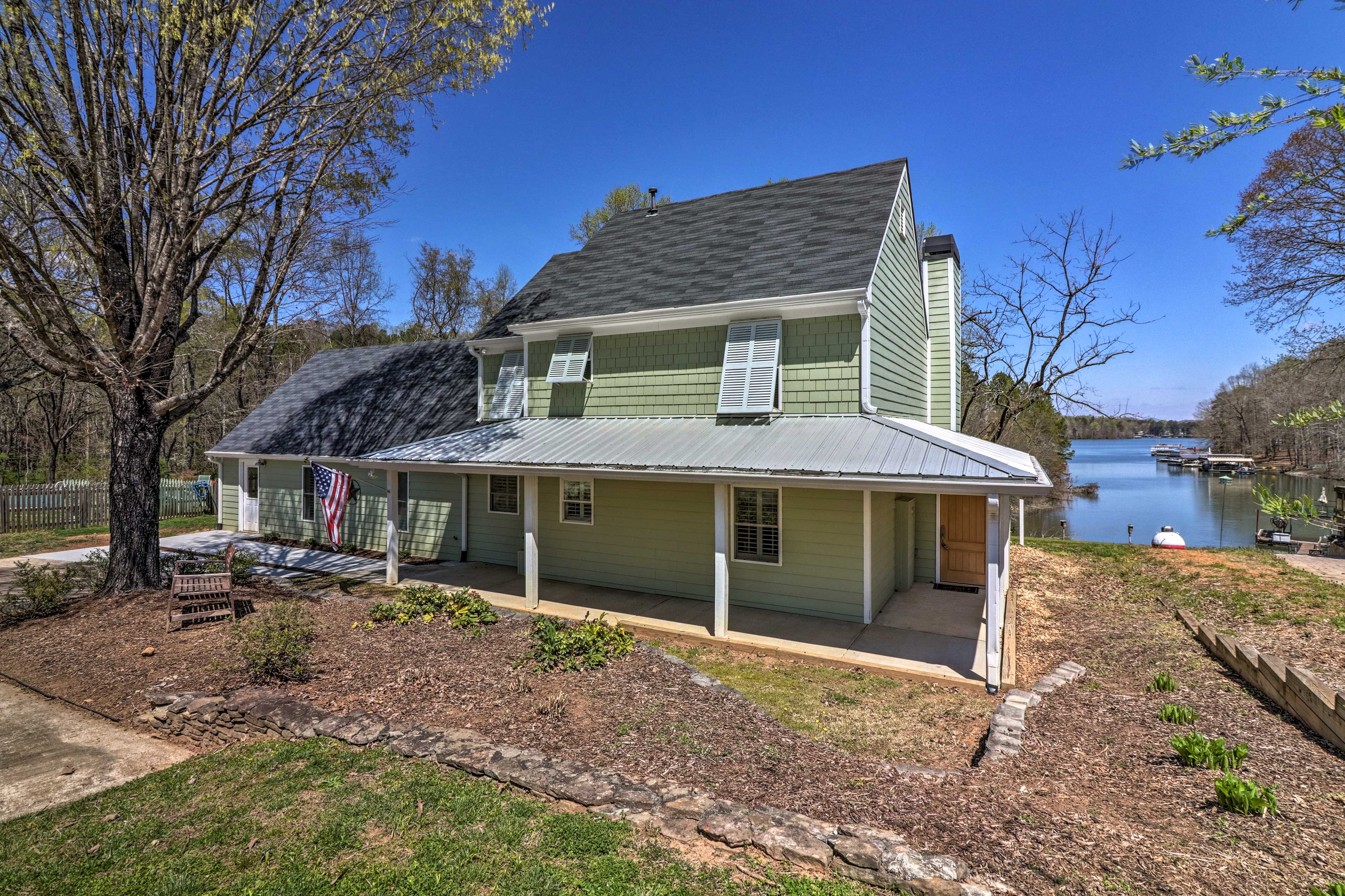 This charming 4-bed, 3-bath home easily accommodates a group of 10.