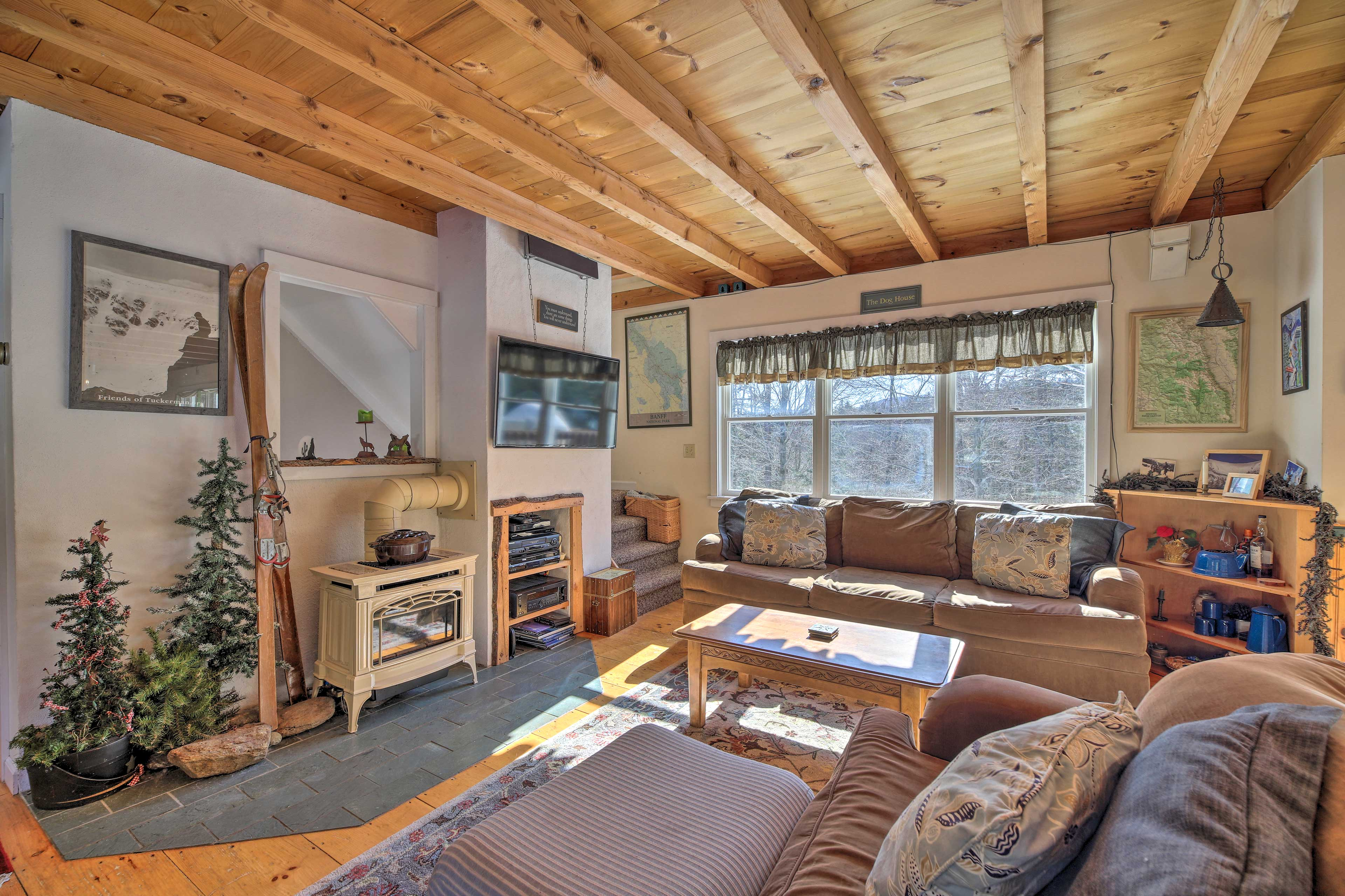 Escape to the Mad River Valley and stay in this Waitsfield vacation rental!