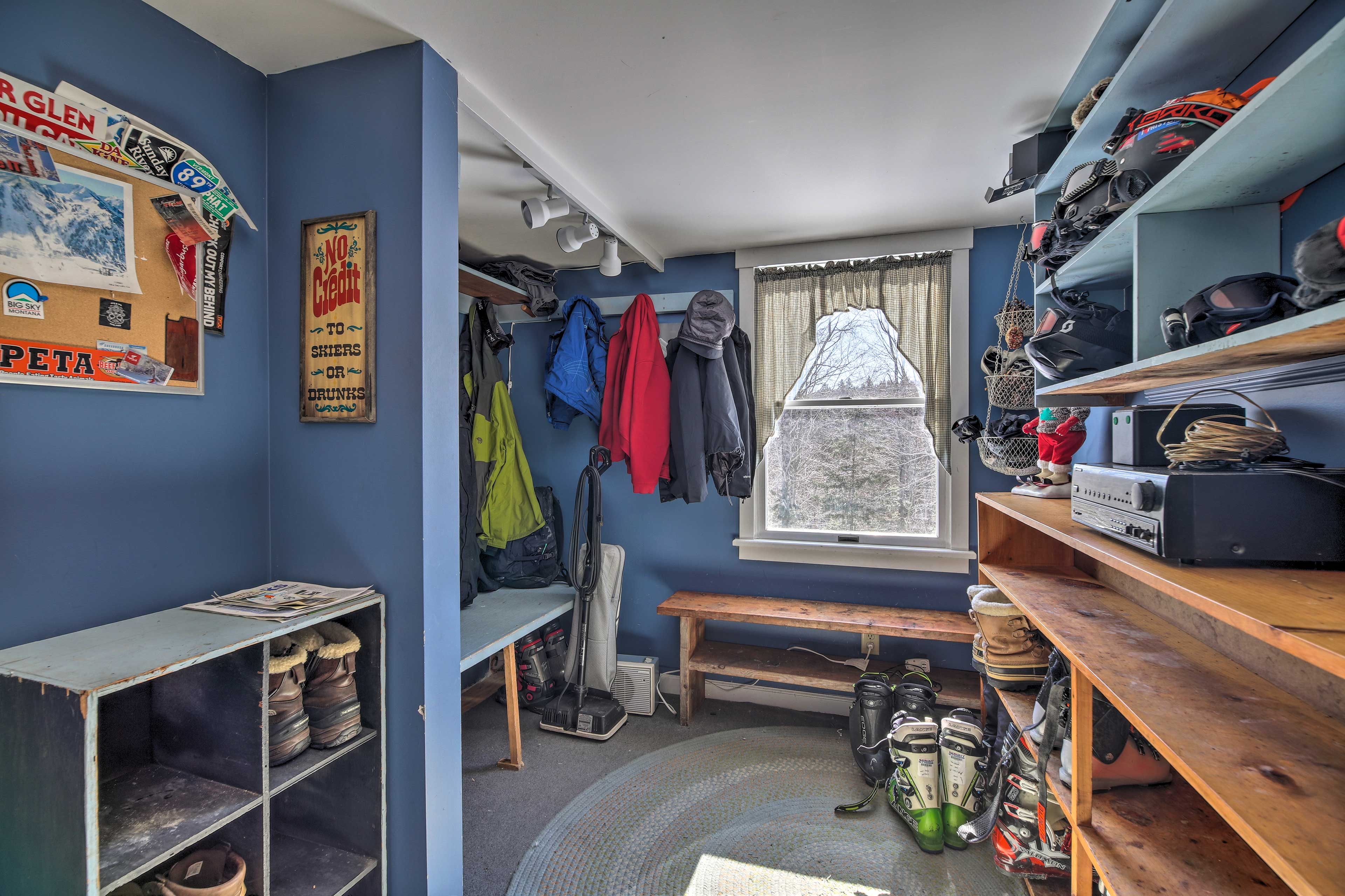 Store your ski or hiking gear in the spacious mudroom.
