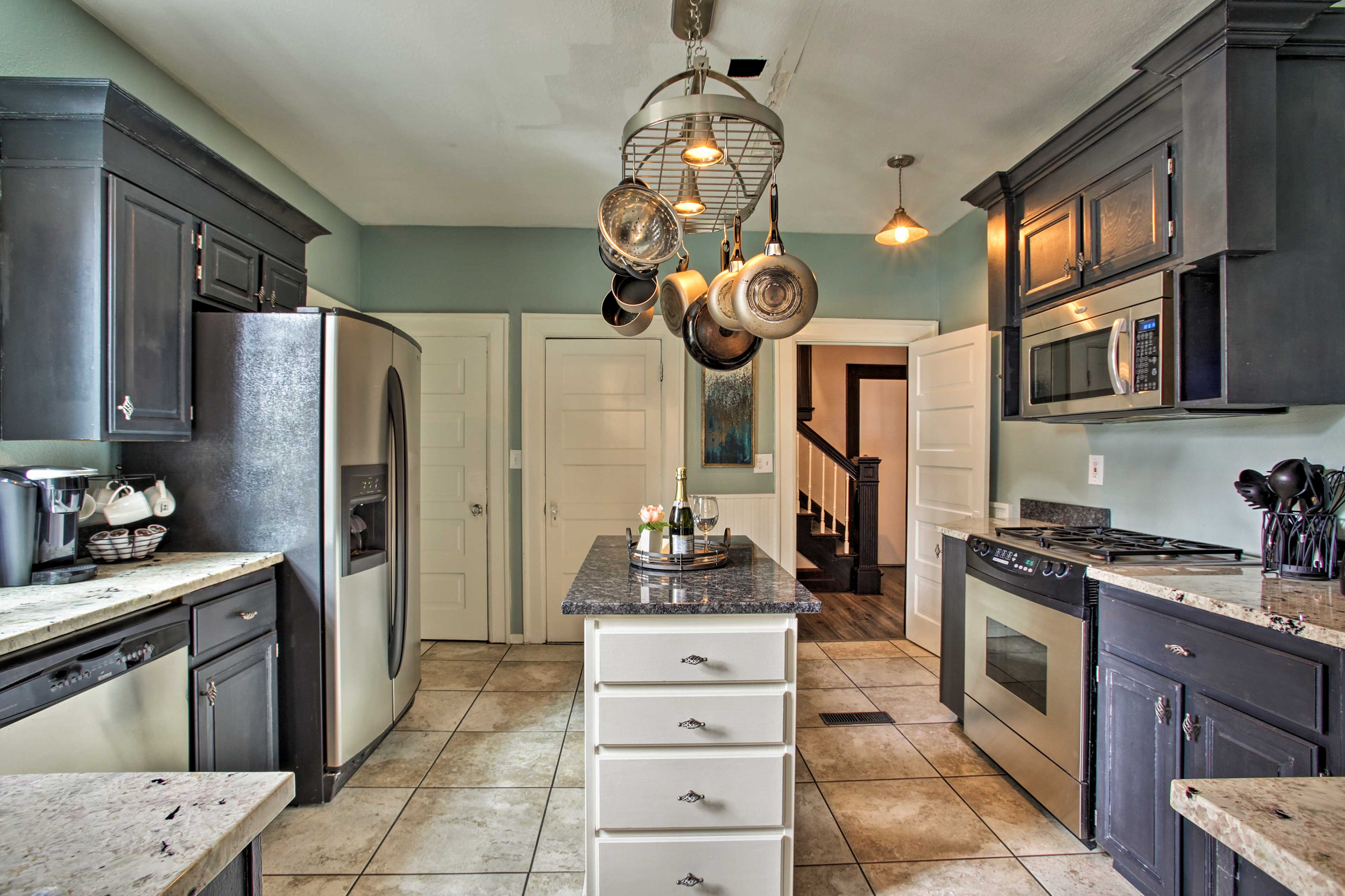 The kitchen is sure to please any chef!