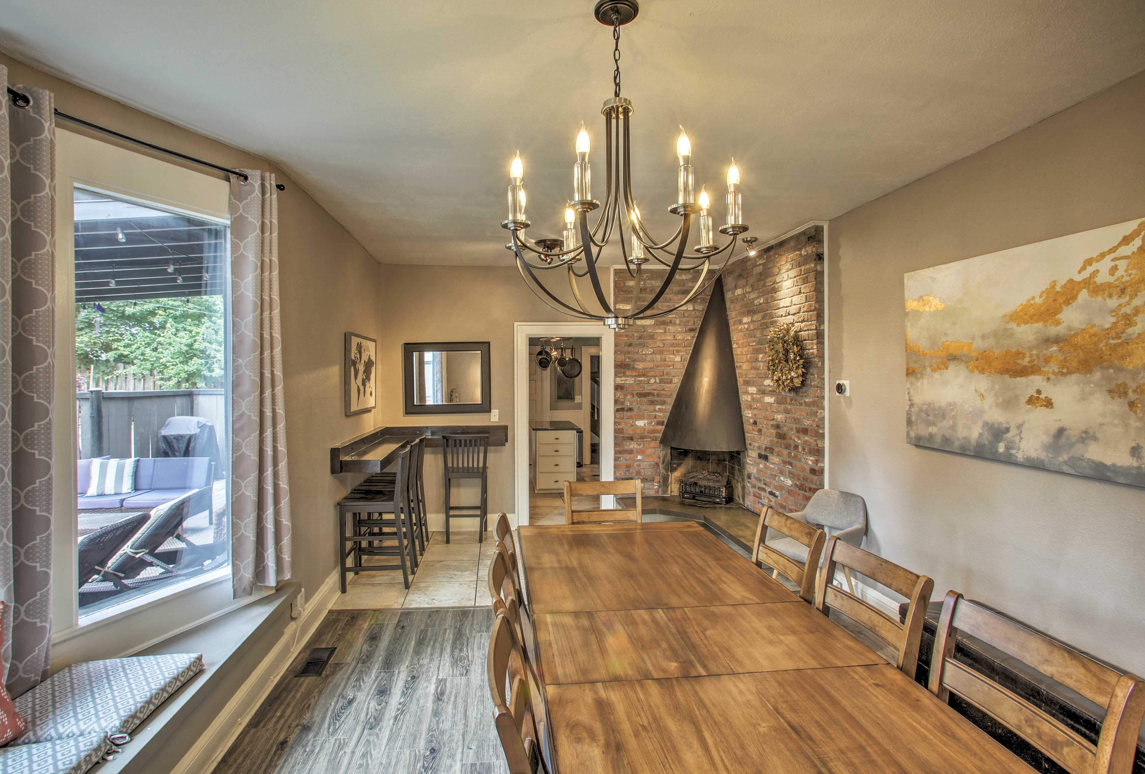 Enjoy an elegant dinner in the dining room. (Fireplace not available for use)
