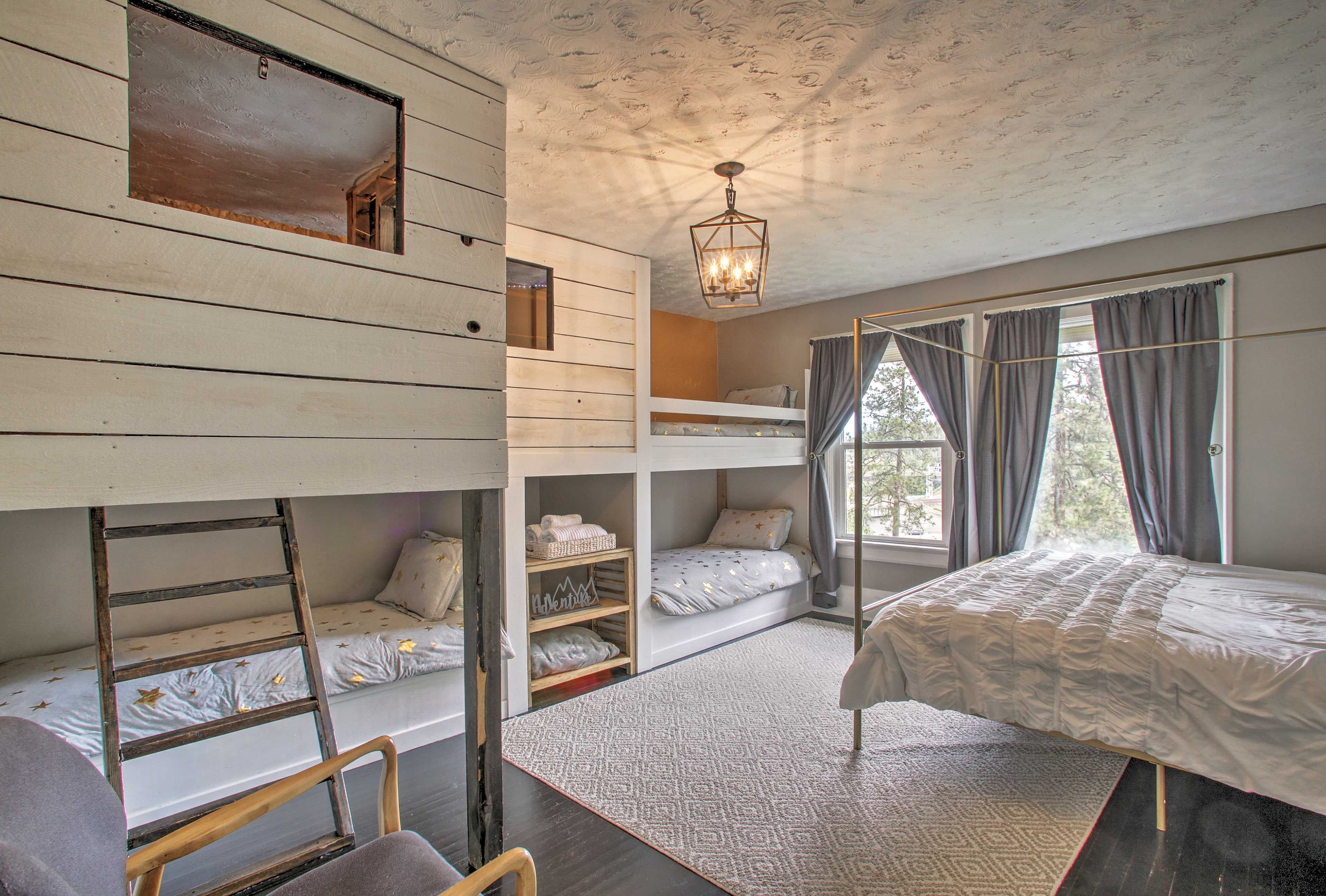The final room features a queen bed and 3 twin bunks!