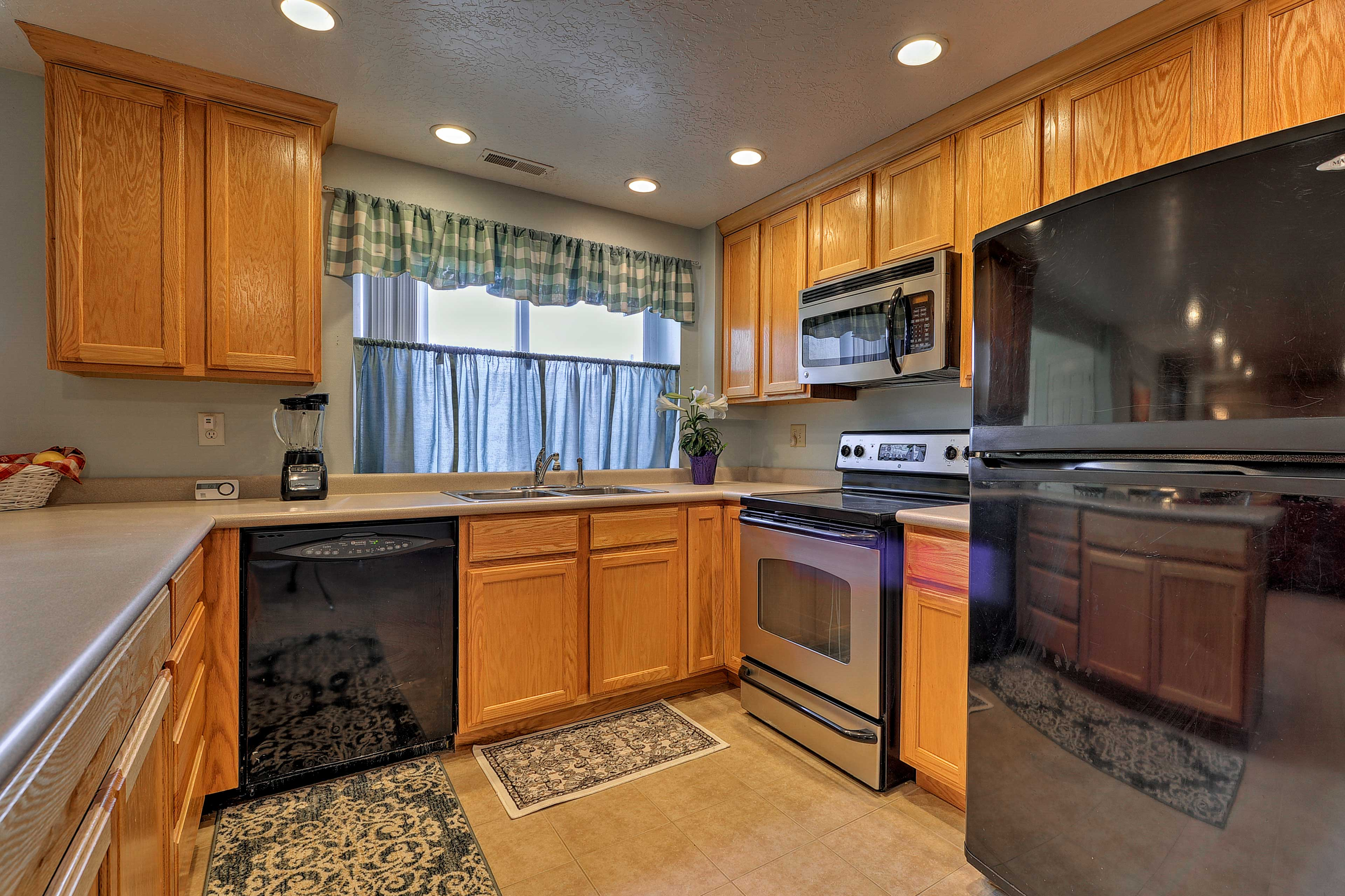 The fully equipped kitchen has everything you need for your favorite meals.