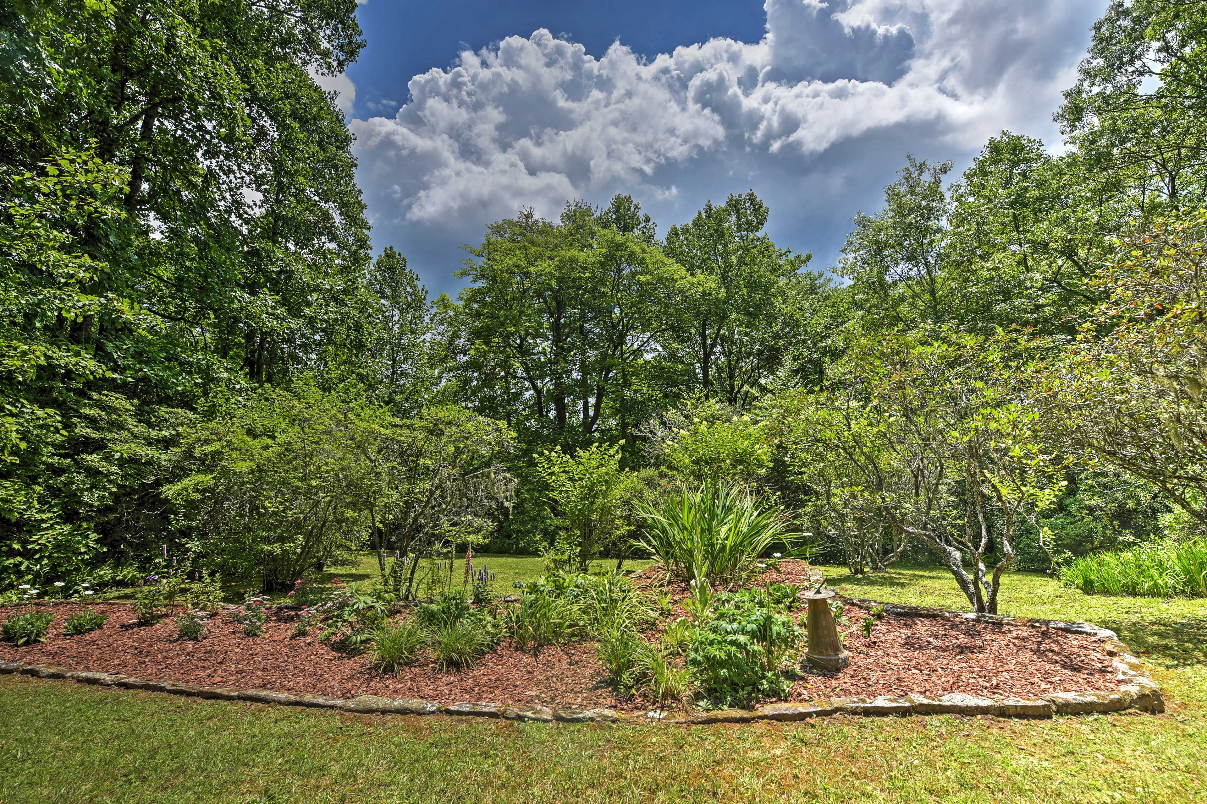 Take a stroll around the 2.6-acre grounds!