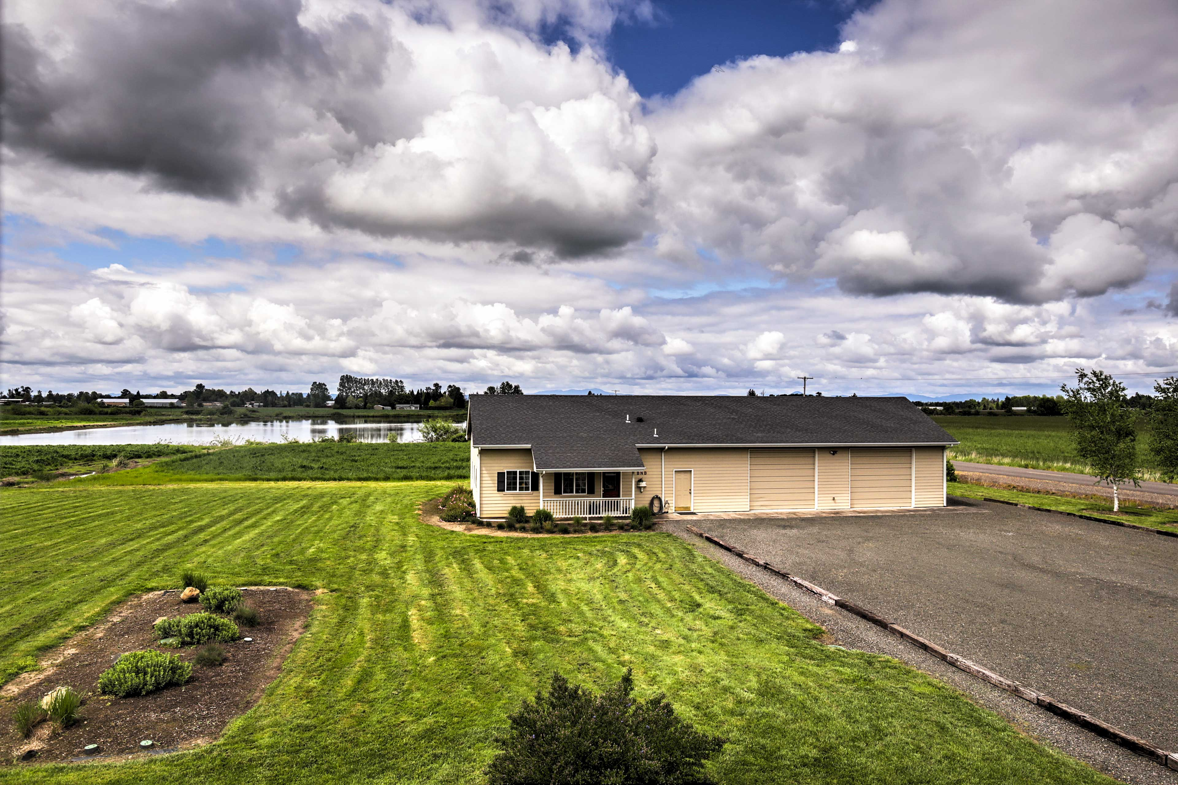 This idyllic country home is nestled in the rolling Coburg Hills near Eugene.