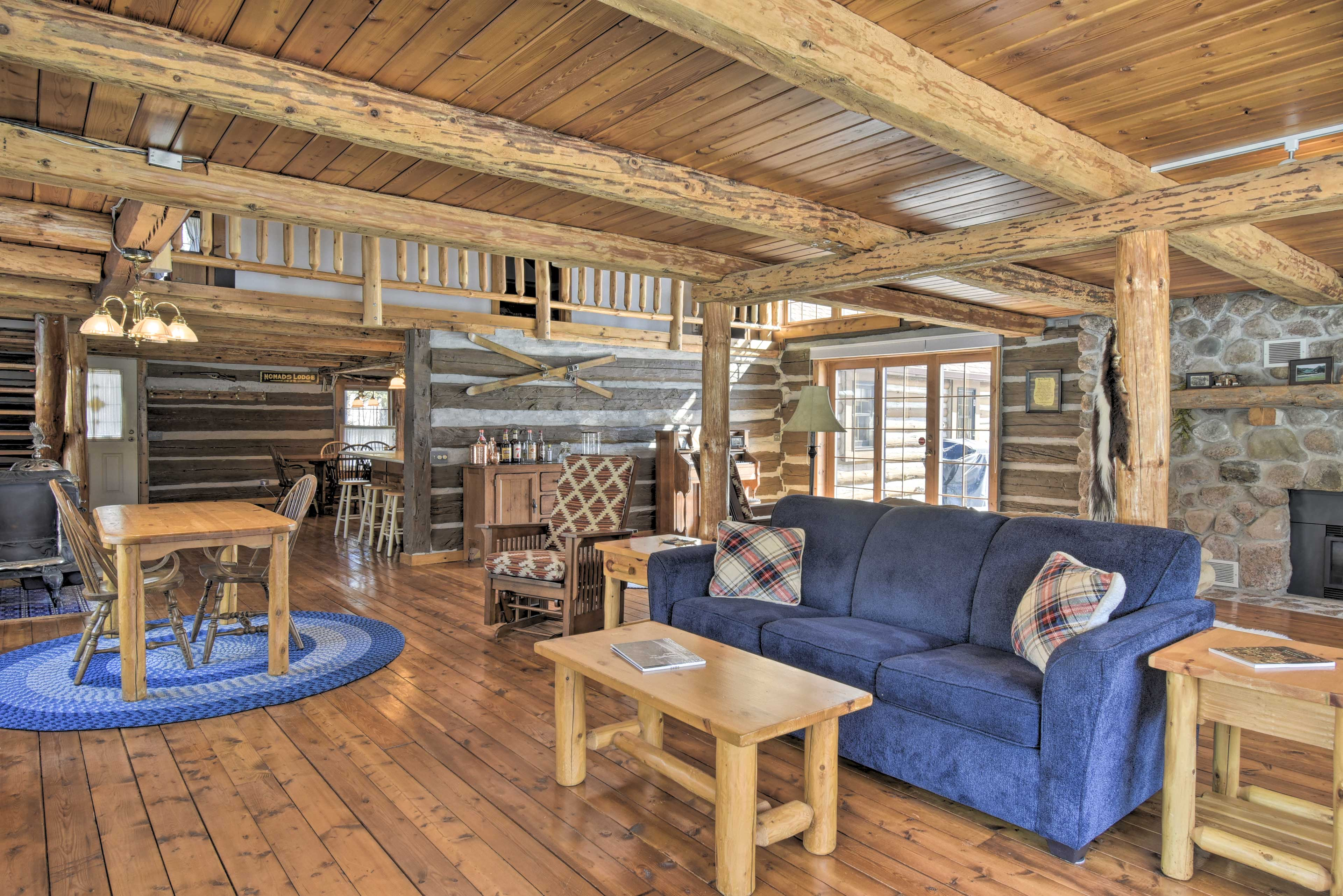 This Wolf River vacation rental features 3,000 square feet of comfortable space.
