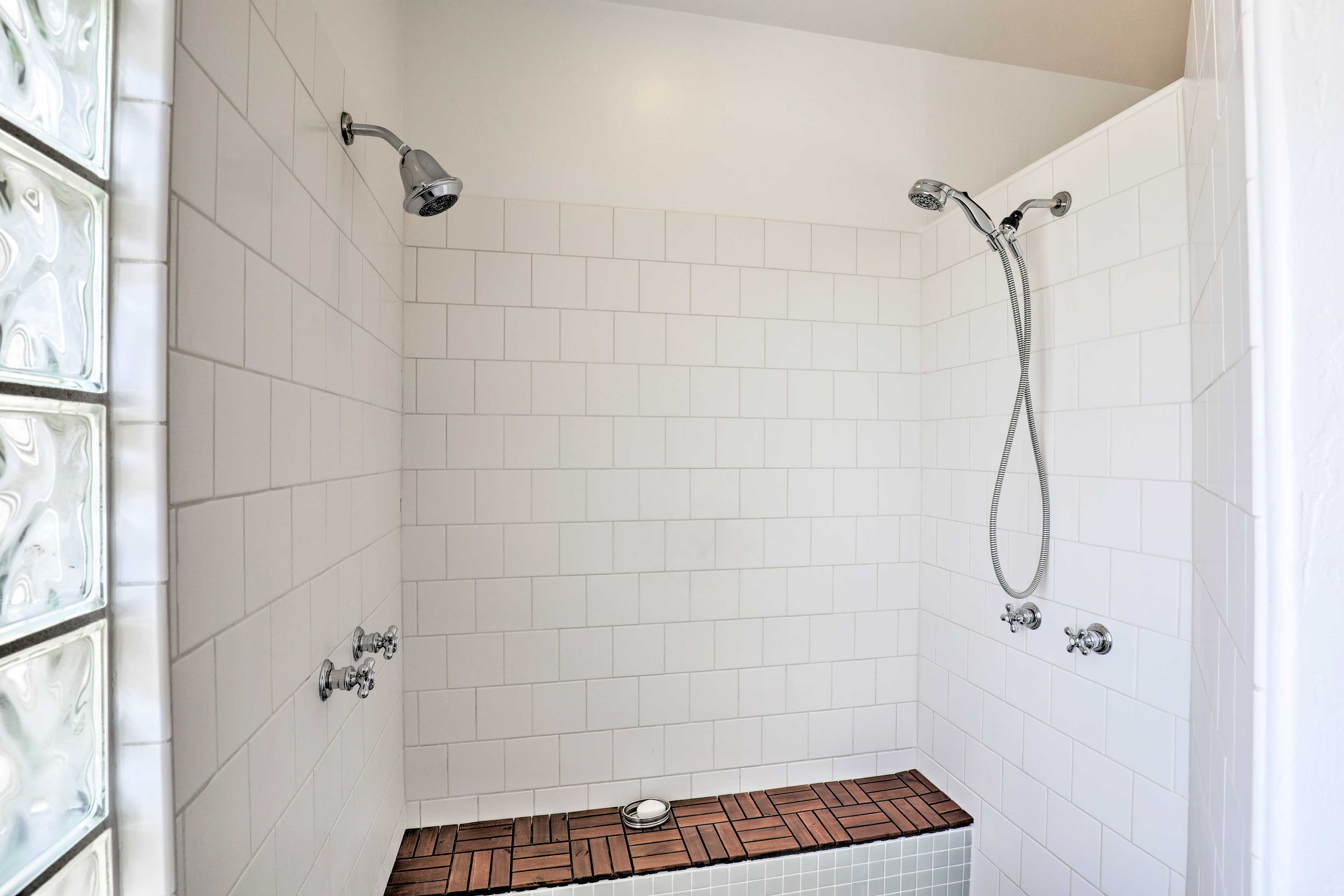 Choose the hands free shower or get down deep with the detachable shower head.