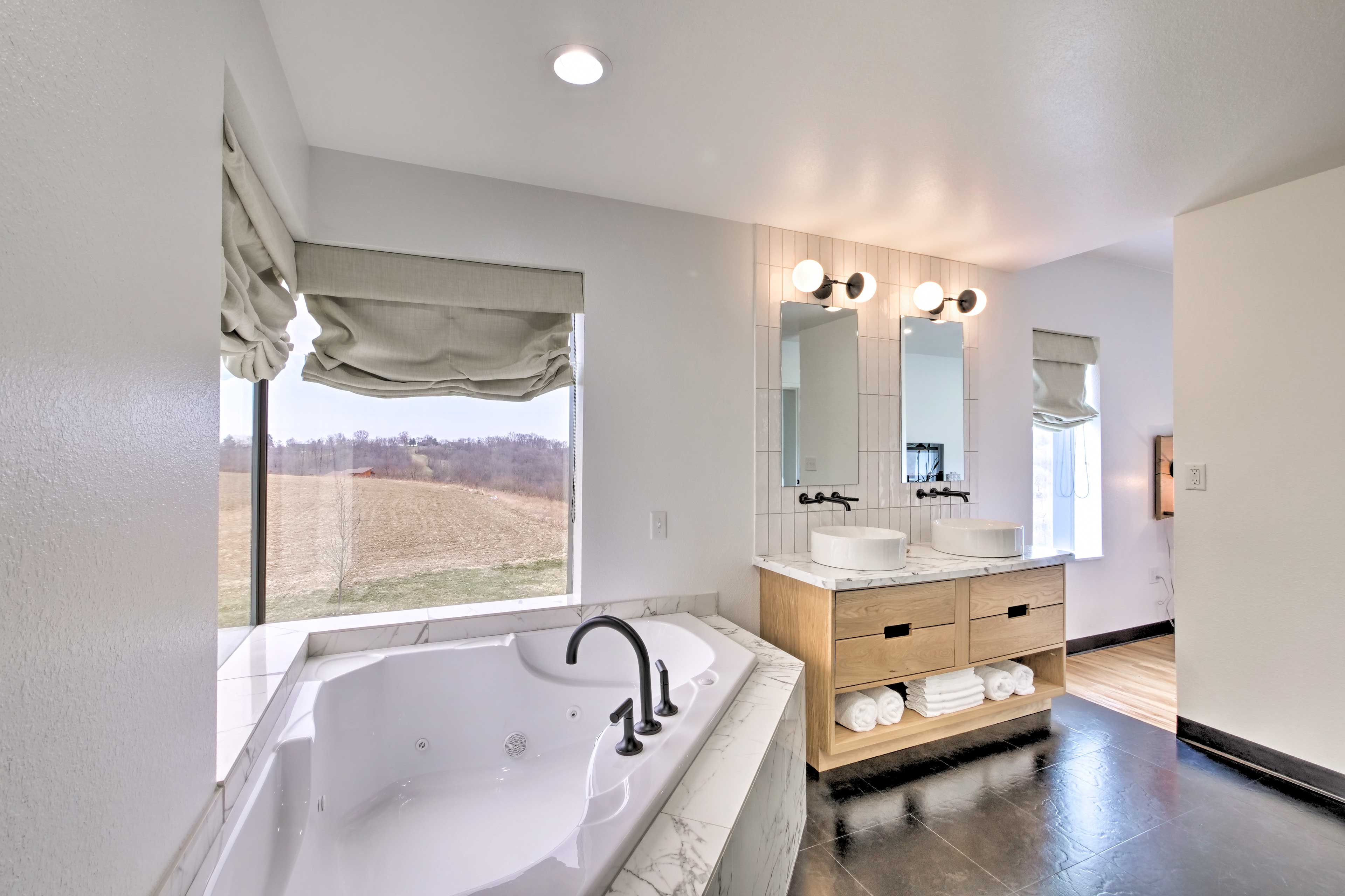 Enjoy the countryside views from the bathtub.