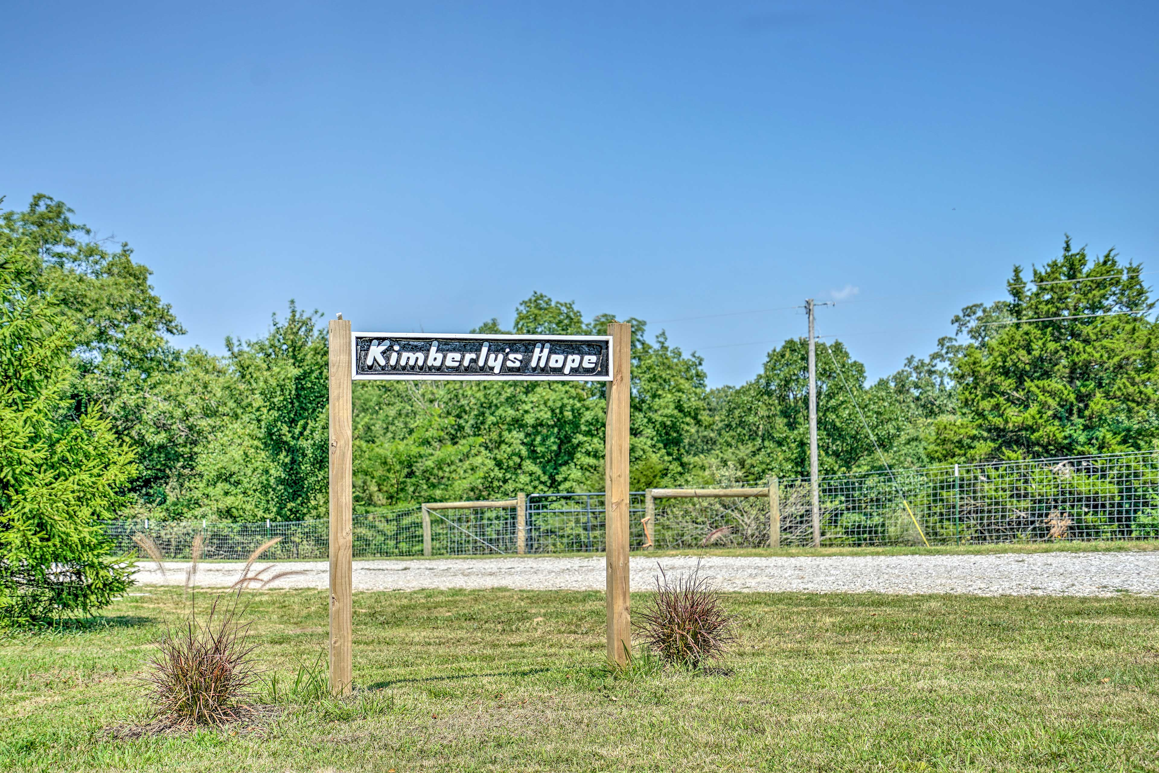Book your stay at 'Kimberly's Hope' today!