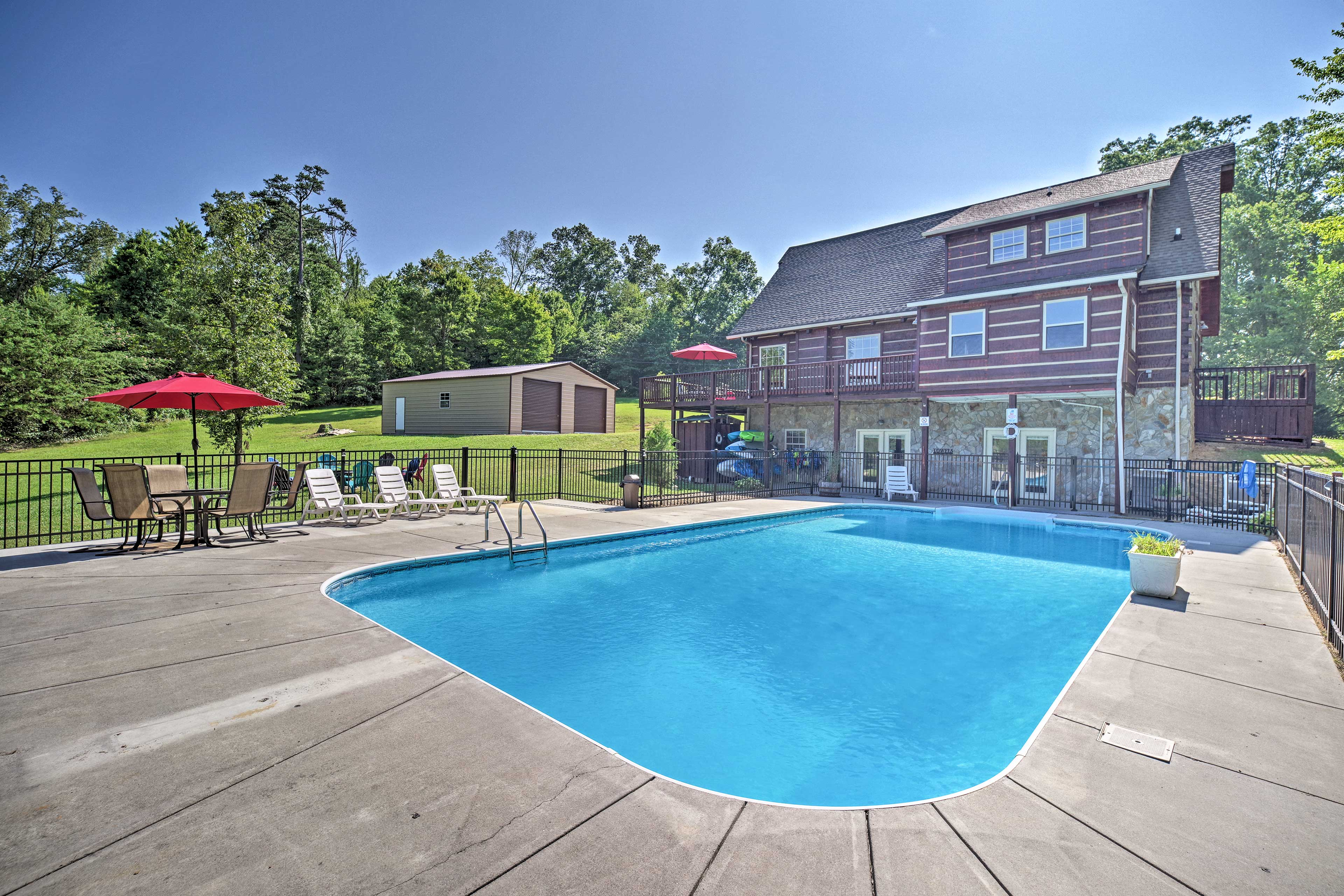 The 4-bedroom, 3.5-bath vacation rental sleeps 12 & has a private seasonal pool.
