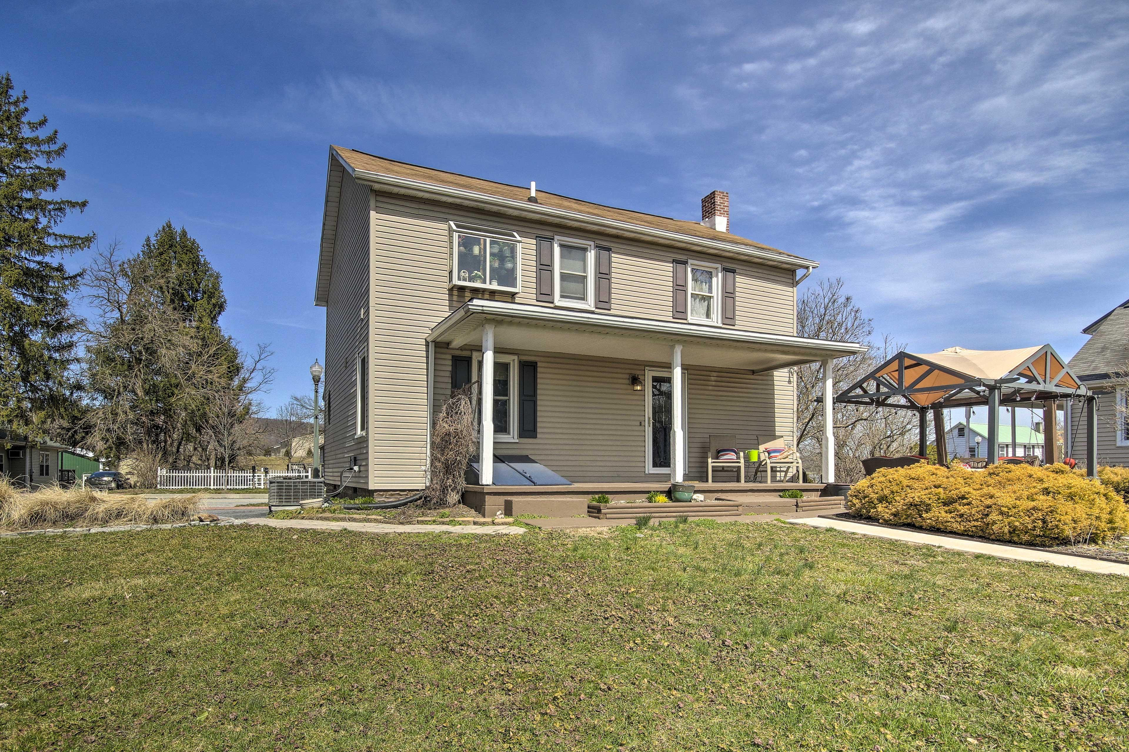 Enjoy a fantastic Harrisburg destination at this 3-bedroom, 1.5-bath home.