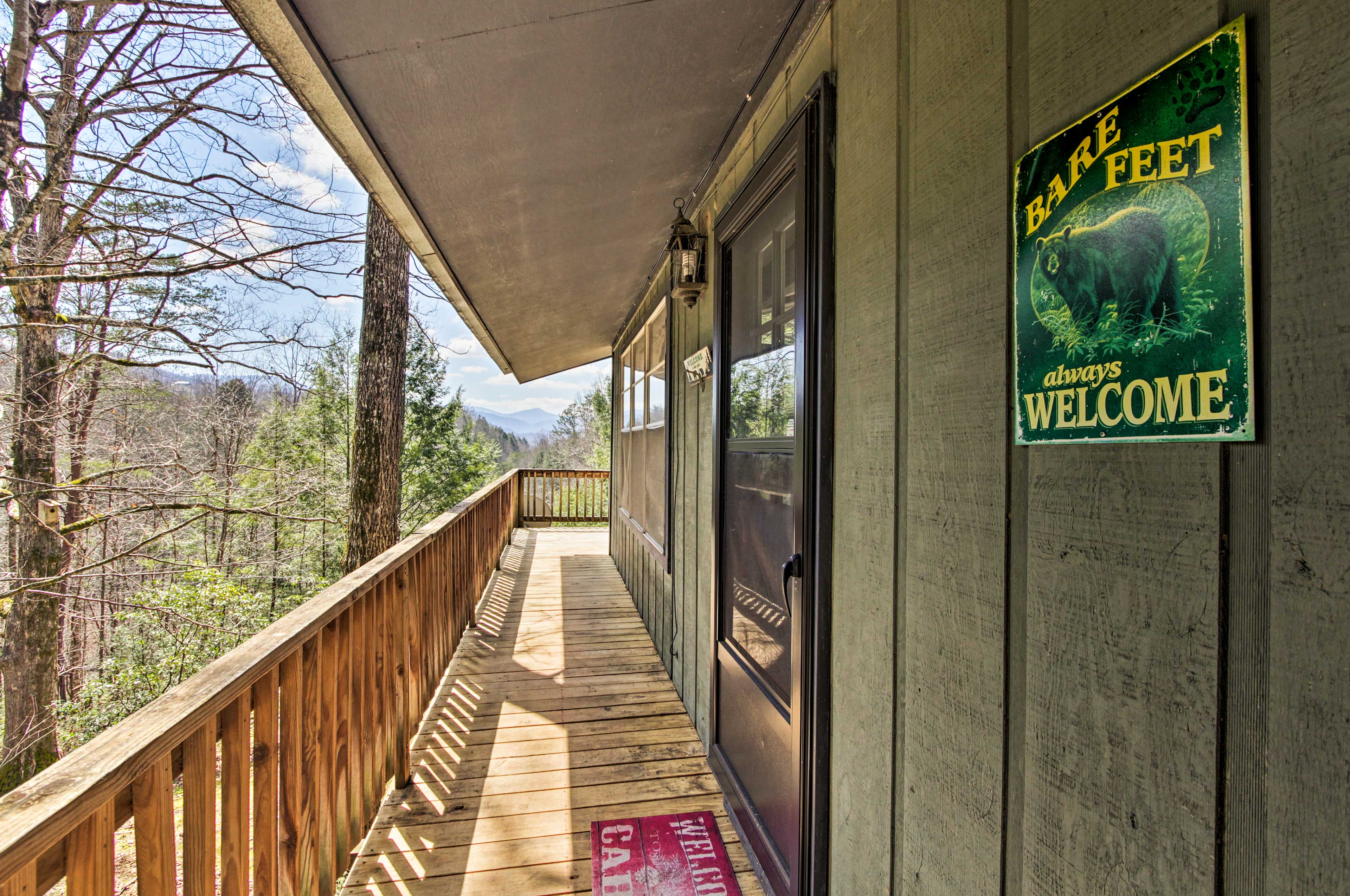 This secluded cabin is just a 20-minute drive from Downtown Pigeon Forge.