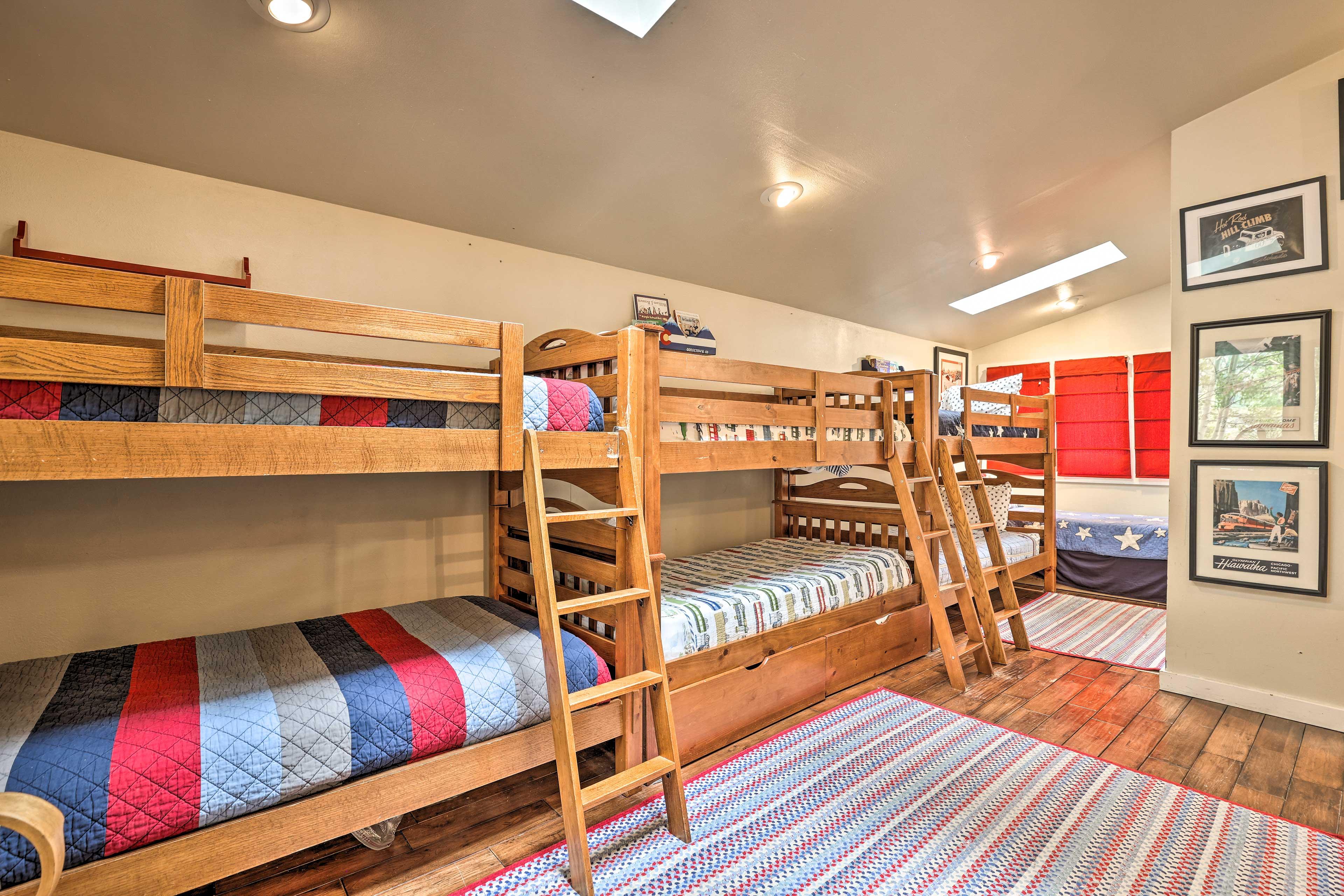 Bedroom 4   3 Twin/Twin Bunk Beds