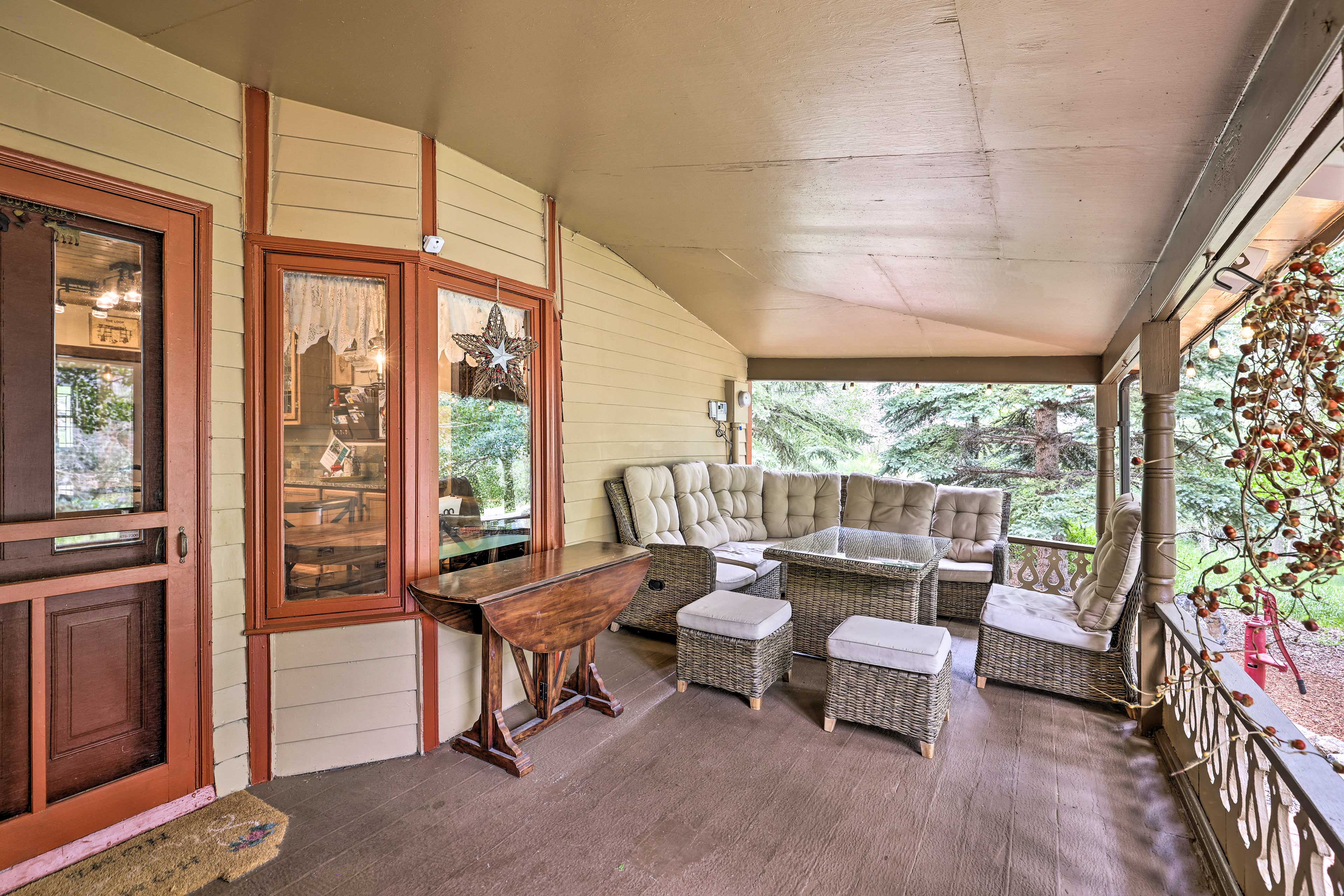 Furnished Front Porch