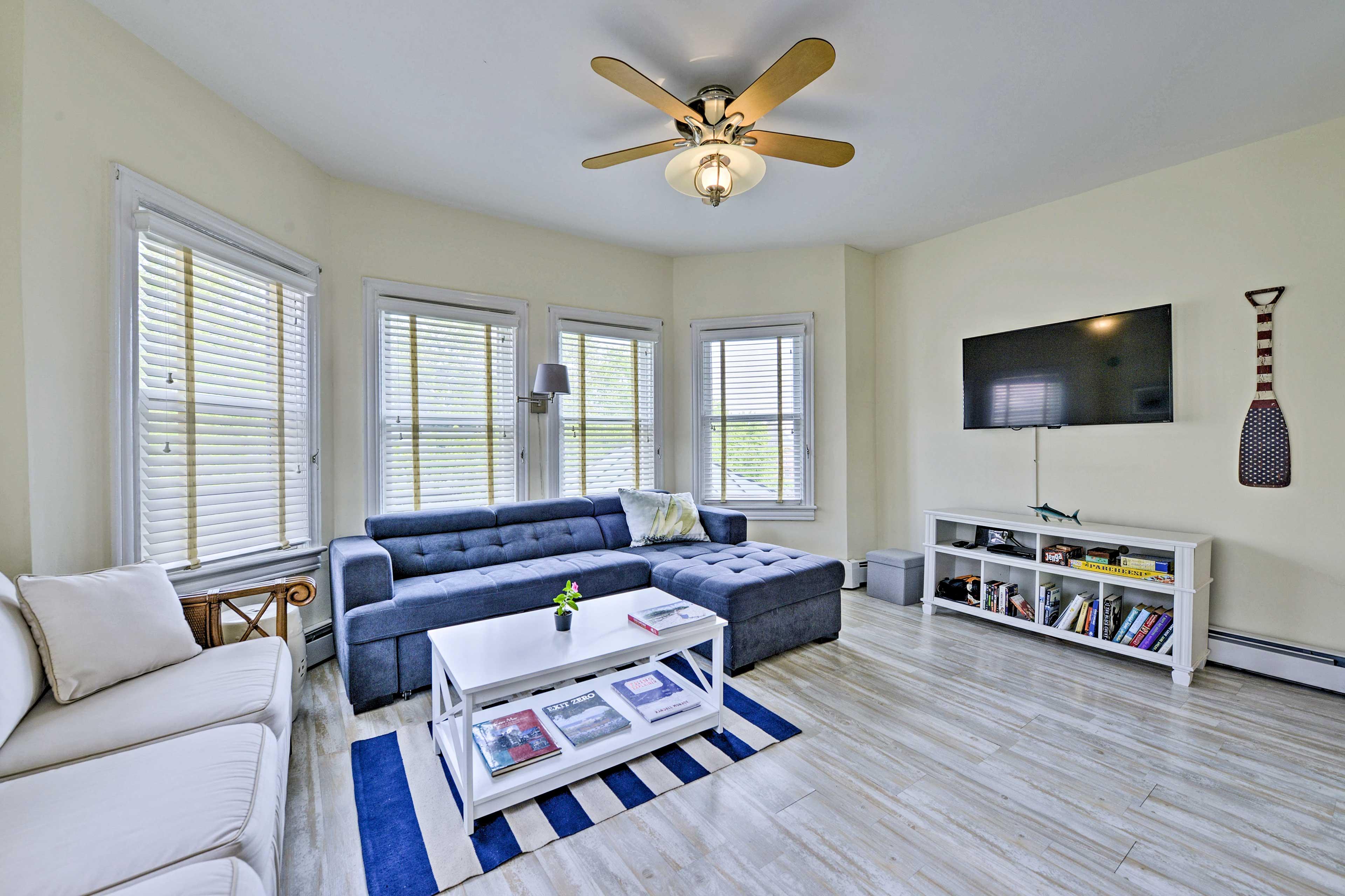 This 1-bedroom, 1-bath vacation rental condo offers a beautiful beachy interior.