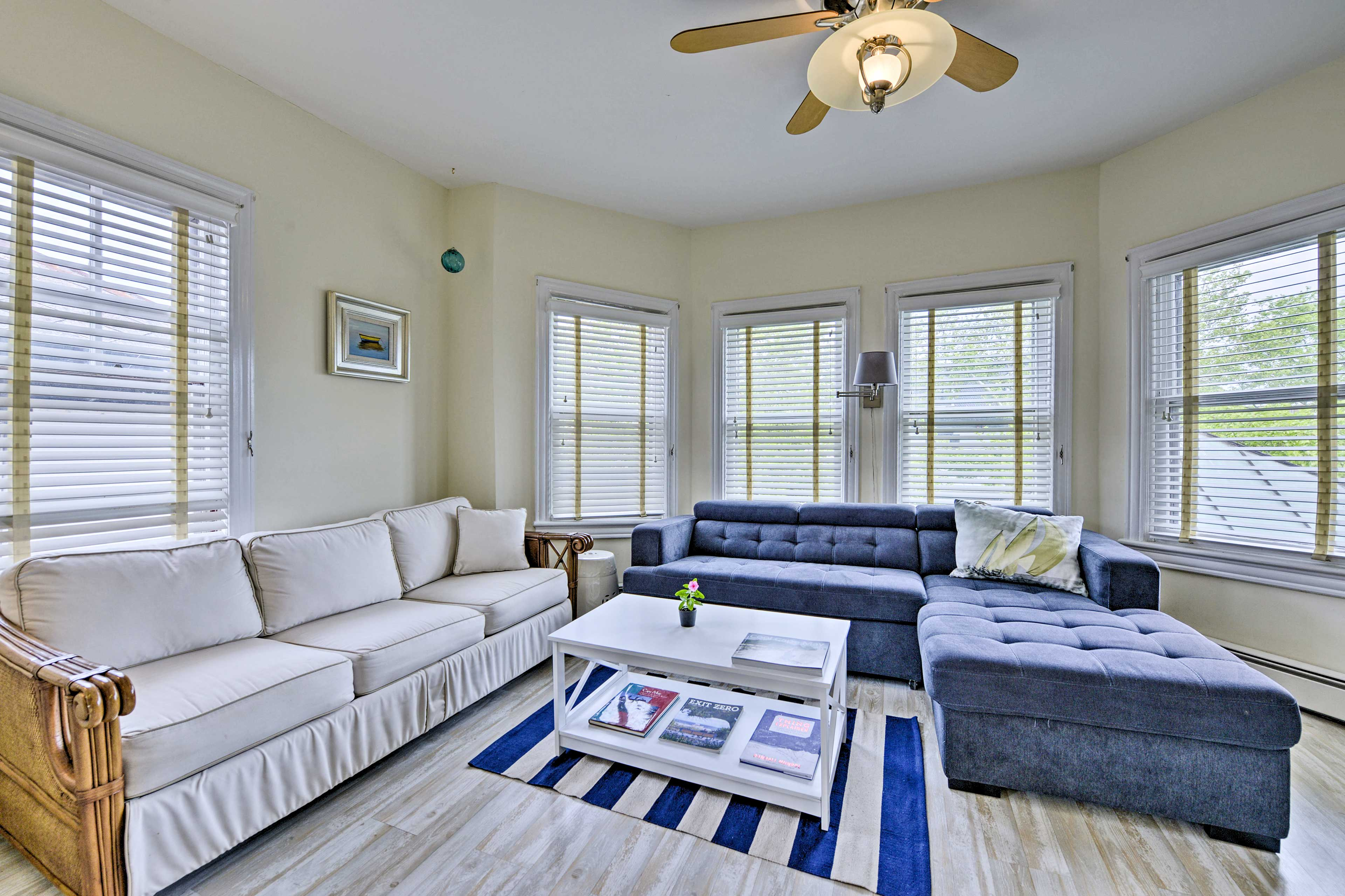 The living room sofa expands to sleep an additional 2 guests.