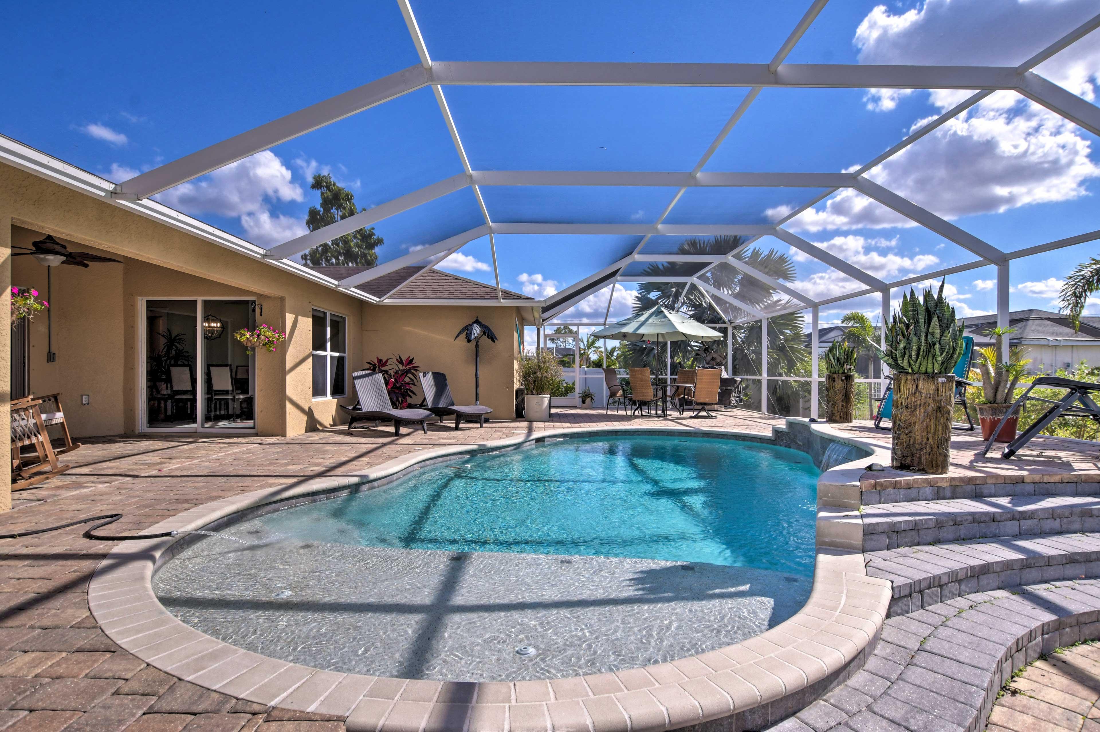 You'll love this tropical environment!