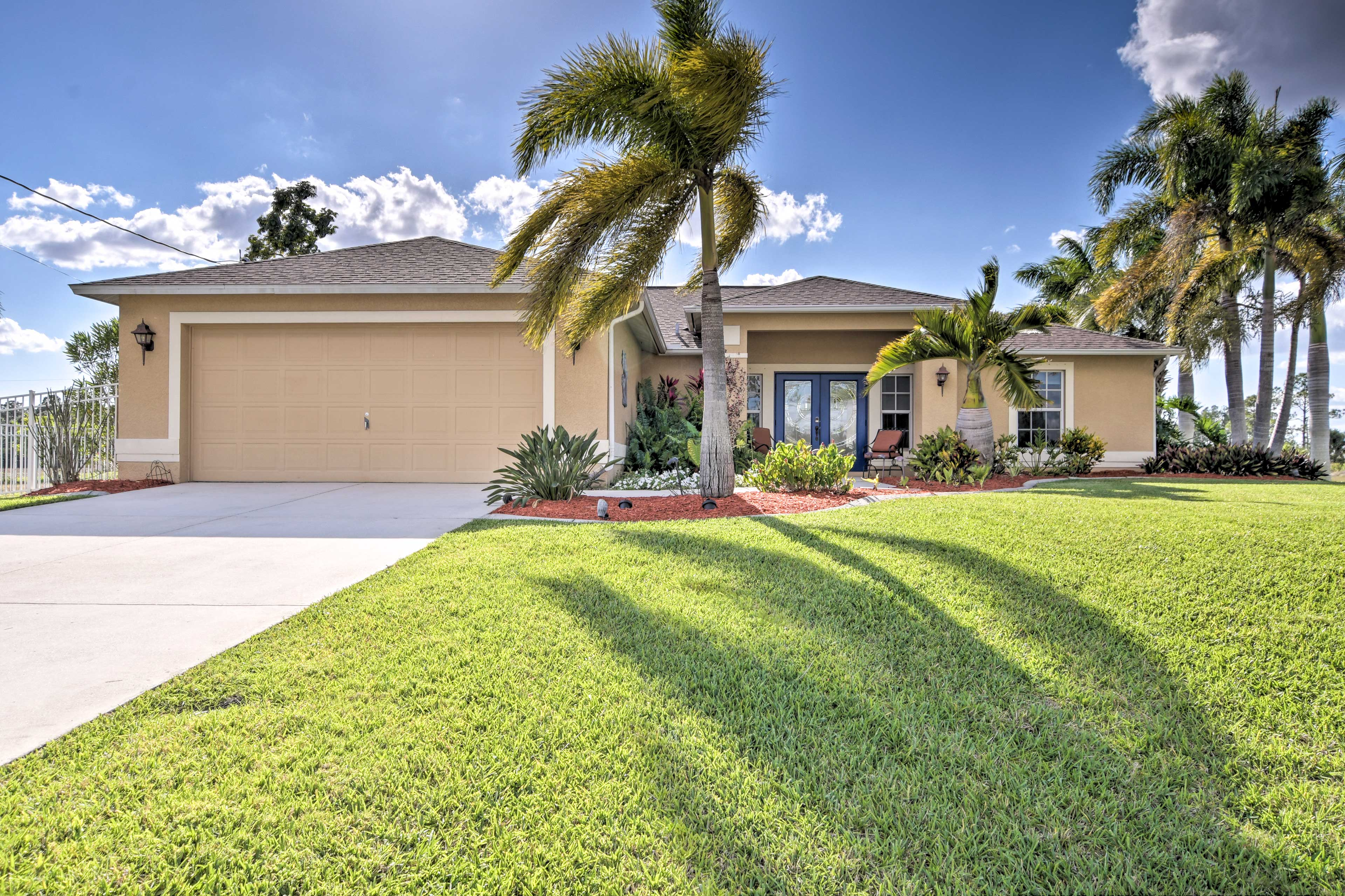 This well-manicured home sits just 30-40 minutes from Cape Coral!
