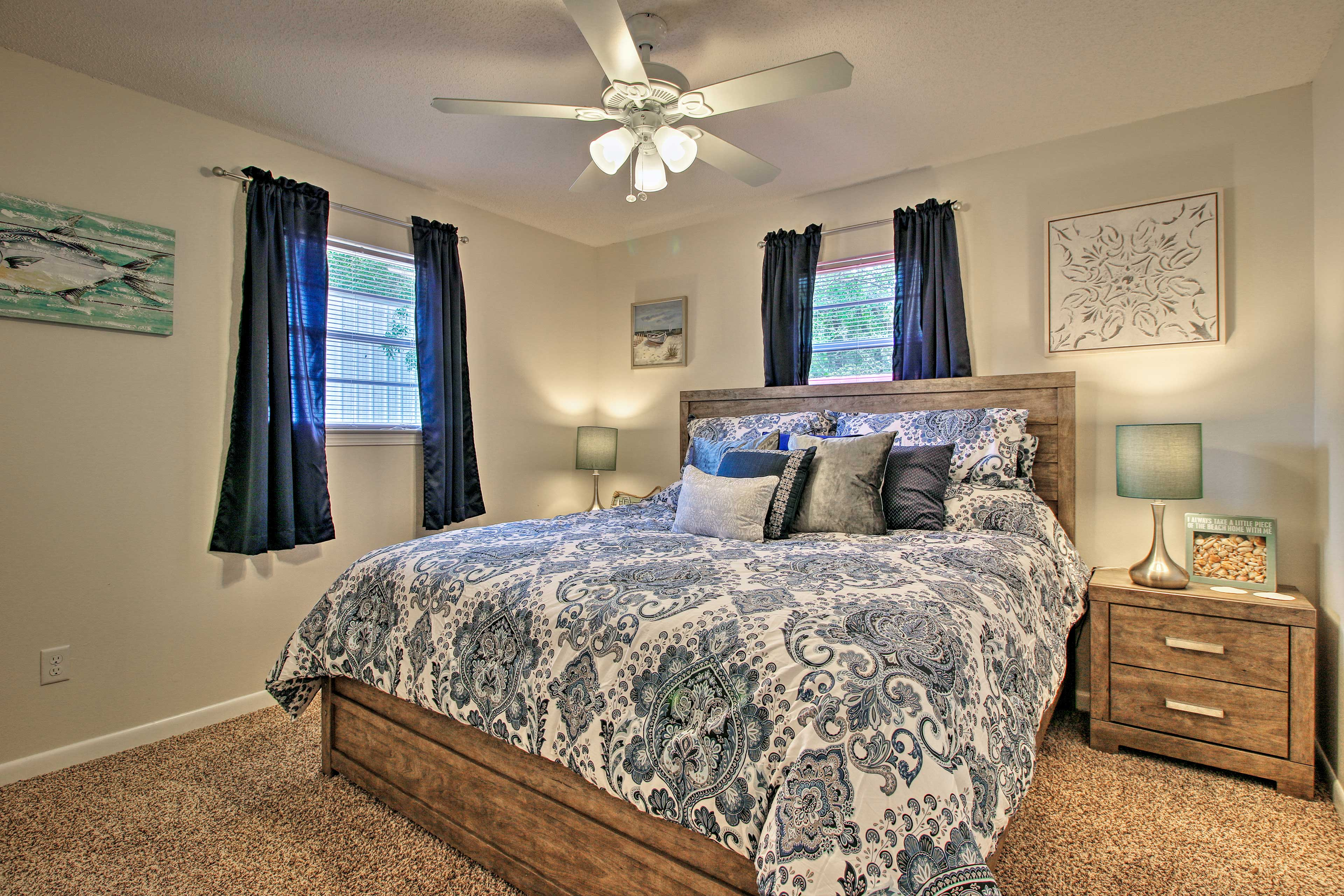 Perfect for couples, this room sleeps 2 in a king bed.