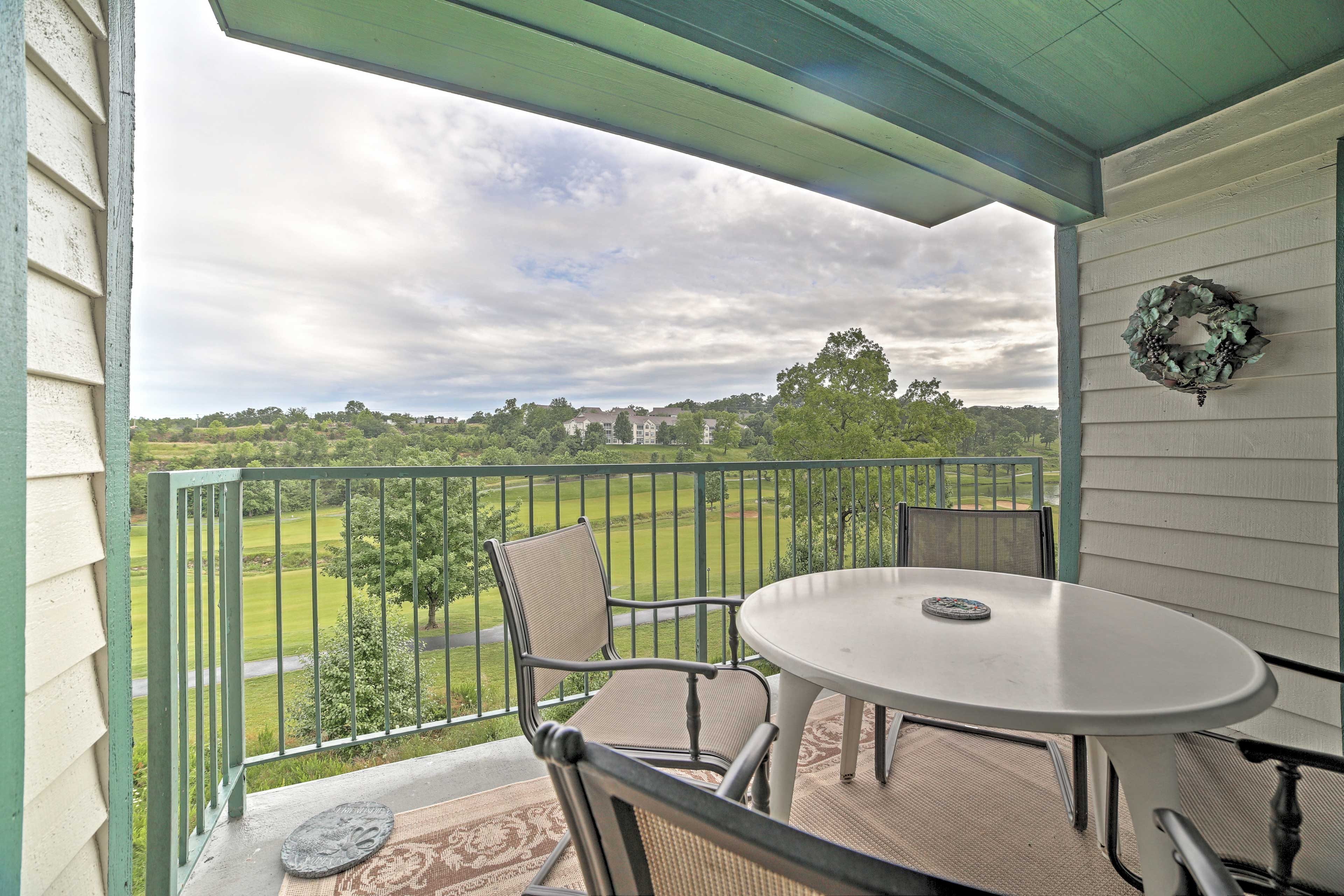 Watch golfers while relaxing on the furnished balcony.