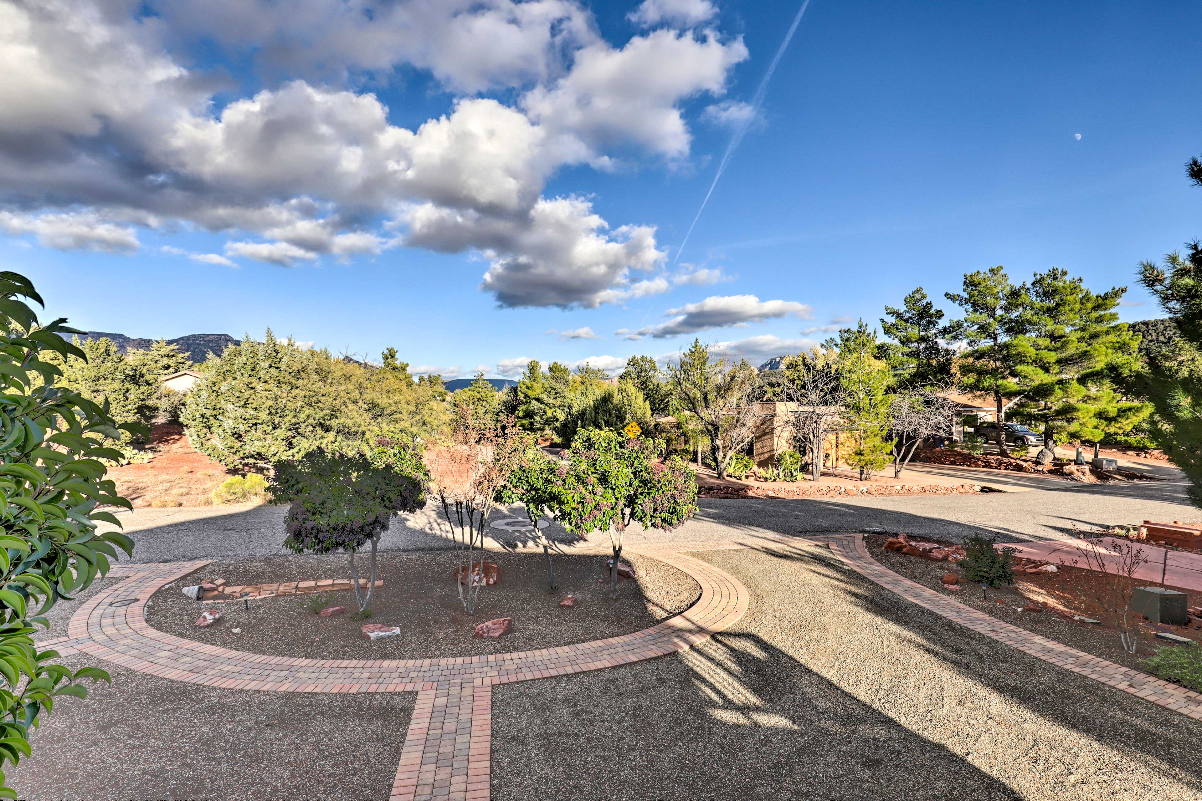 West Sedona sits less than a mile away and uptown Sedona is only minutes away!