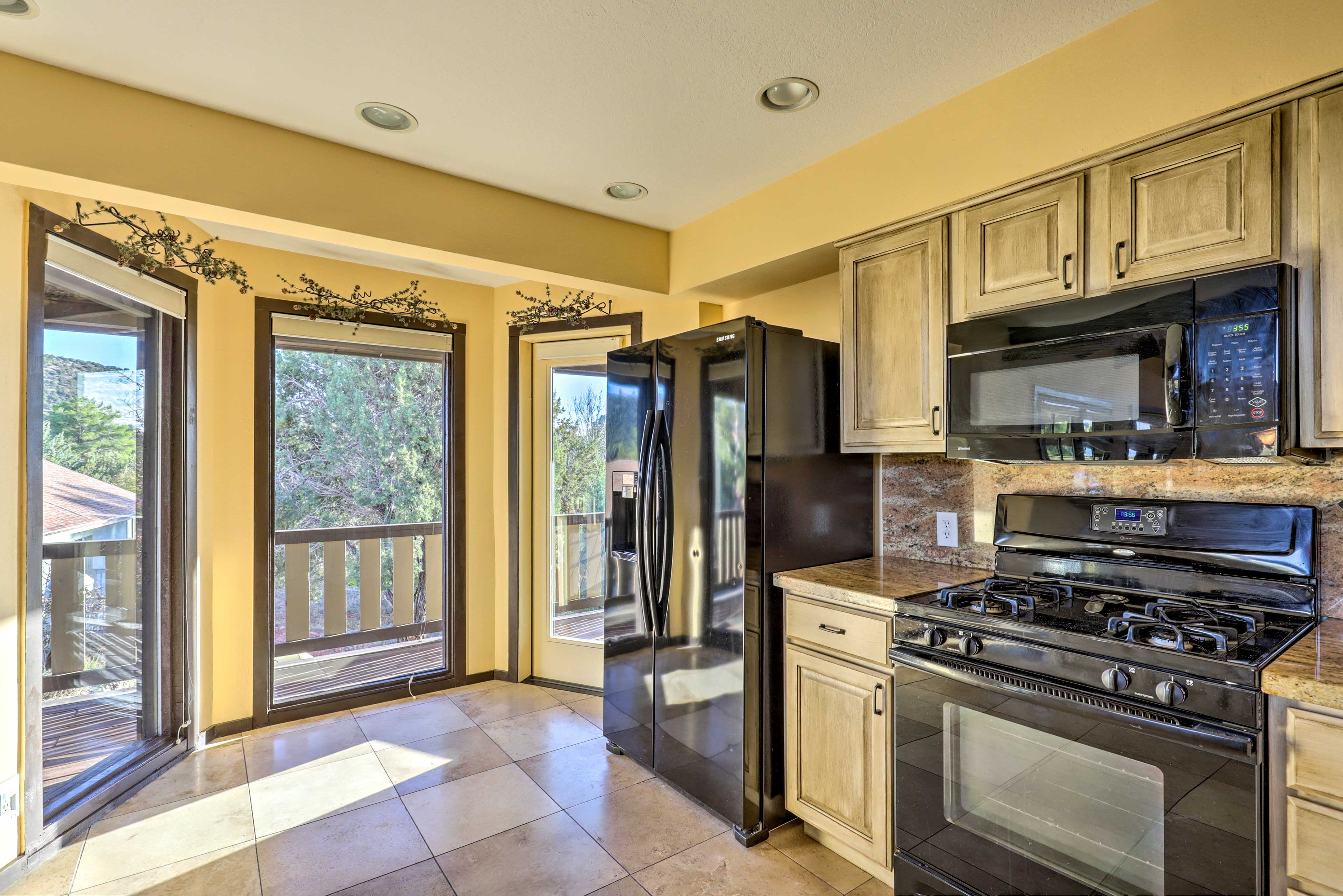 The large windows extend even into the kitchen so you always have natural light.