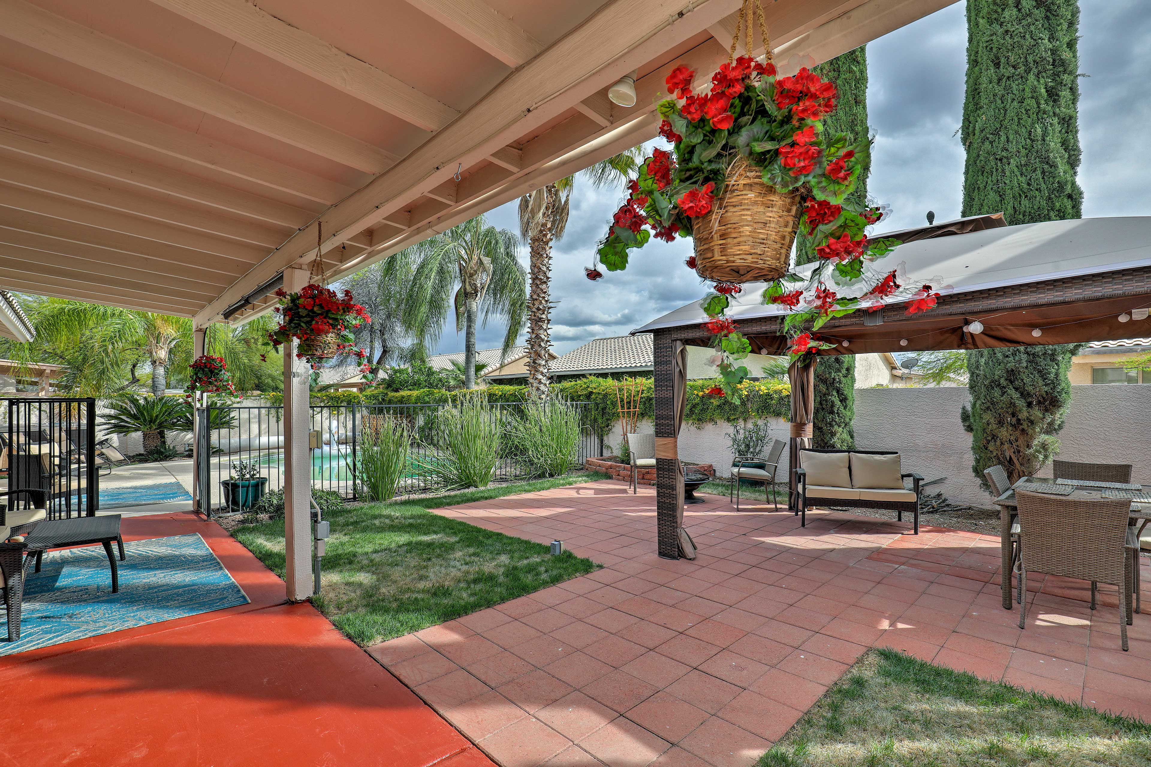 Enjoy the amazing amenities of this Tucson vacation rental house and book today.
