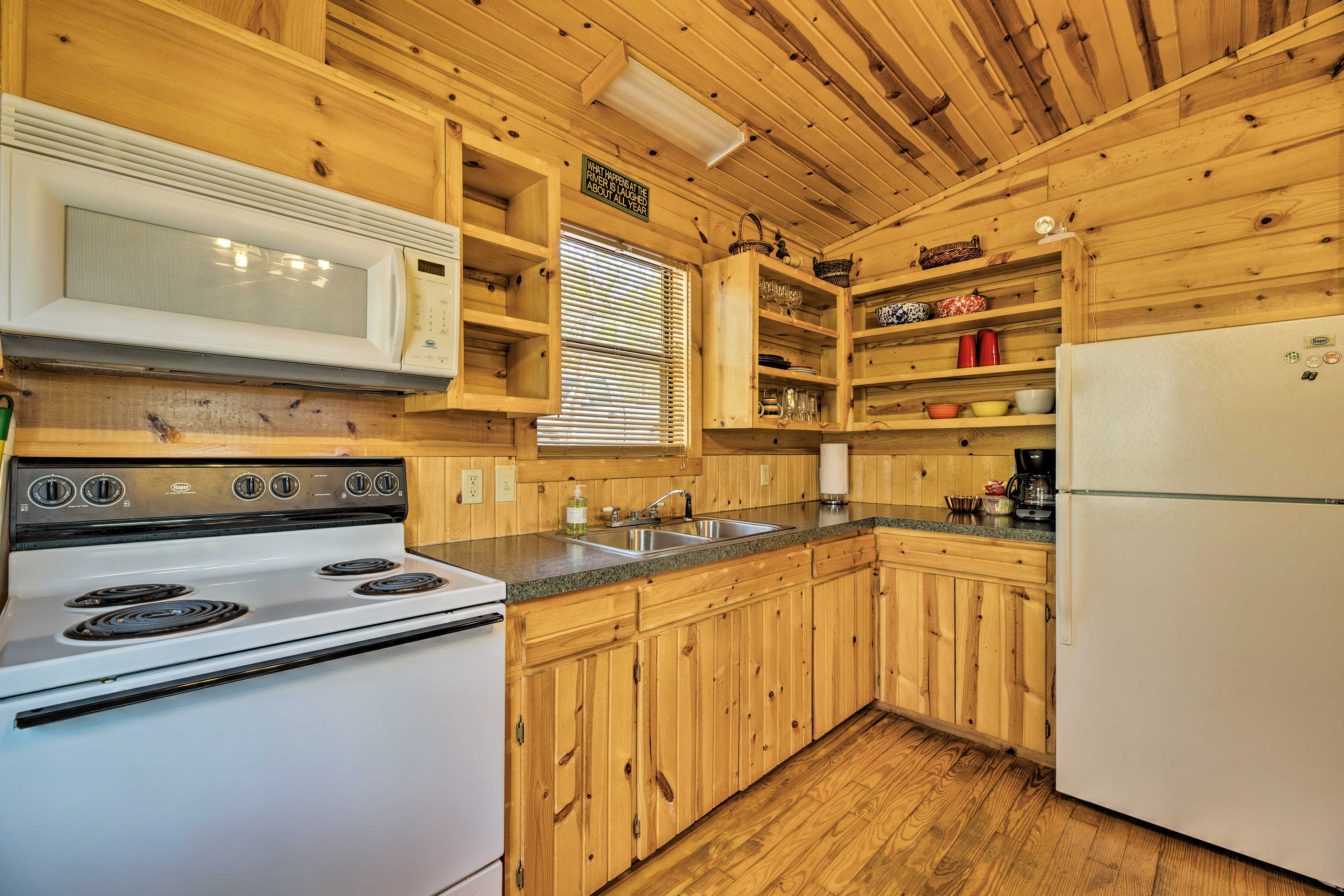 Your group's chef can whip up recipes in the fully equipped kitchen.