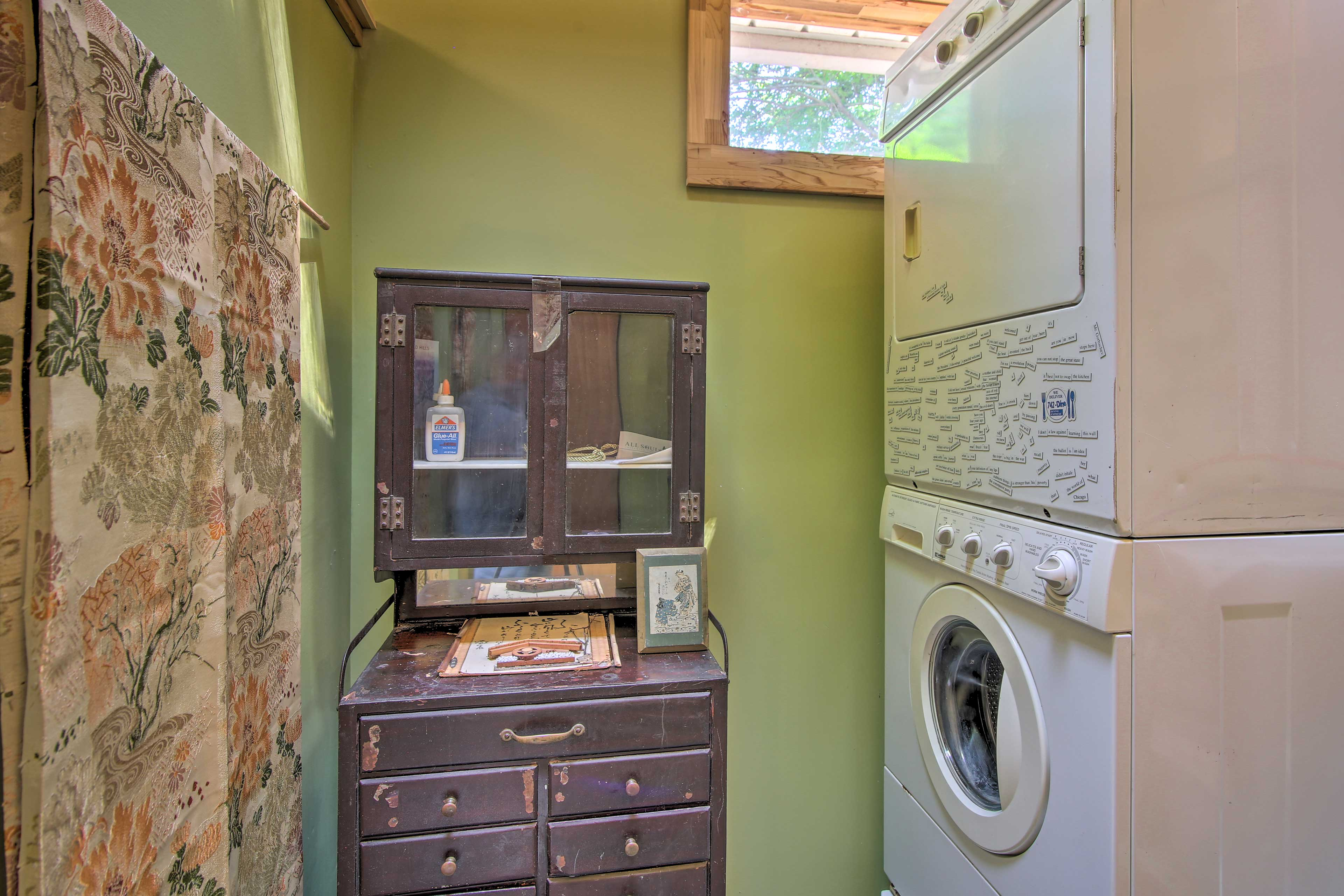 Utilize the laundry machines to keep your clothes fresh and clean.