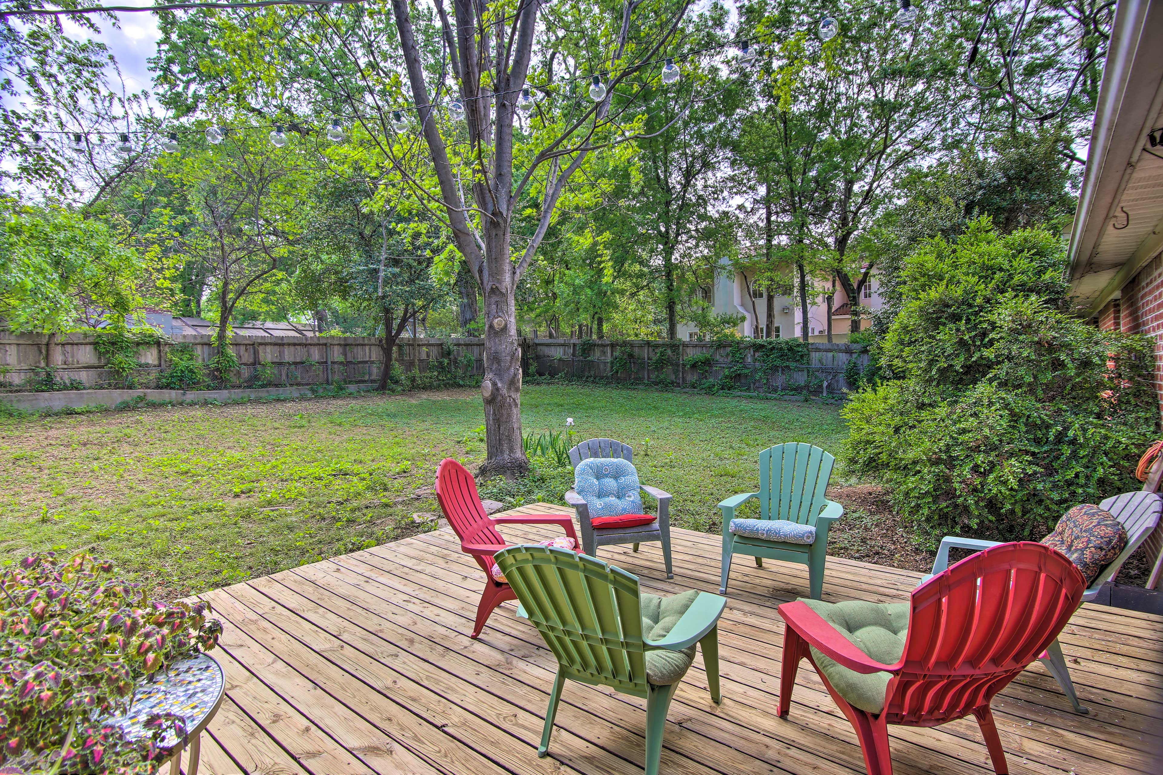 Experience Tulsa like never before at this lovely vacation rental cottage!