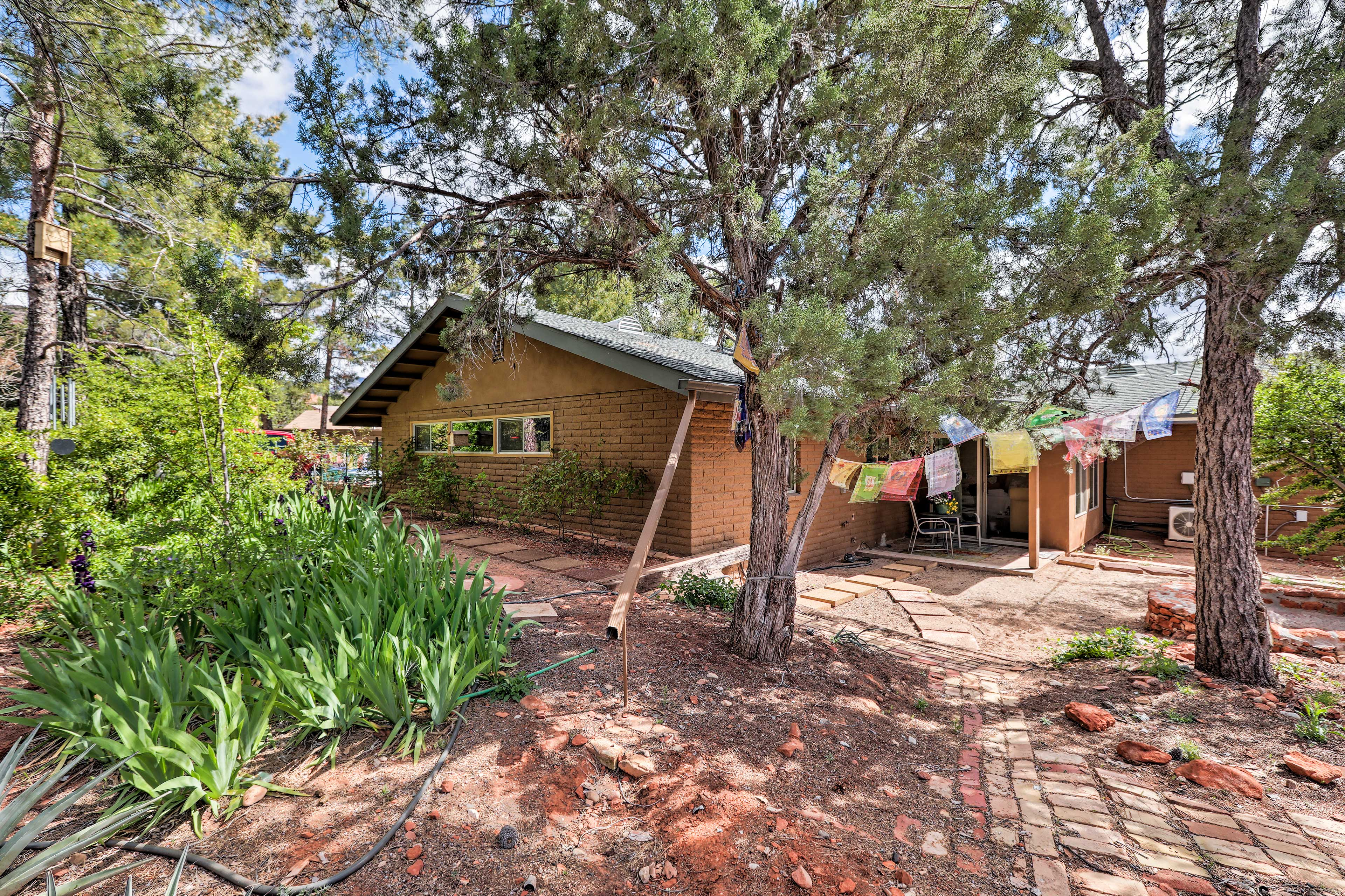 This vacation rental property is located 2.5 miles from Uptown Sedona.