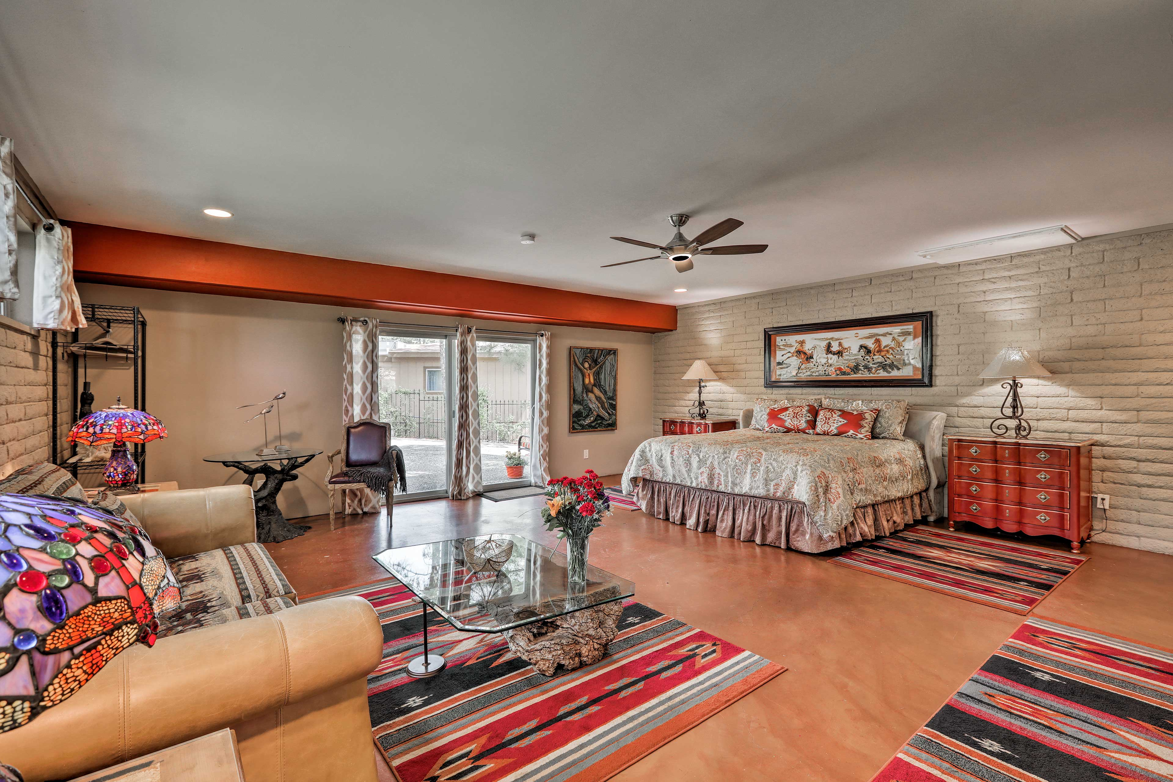 Escape to this unique vacation rental for a magnificent Sedona holiday!