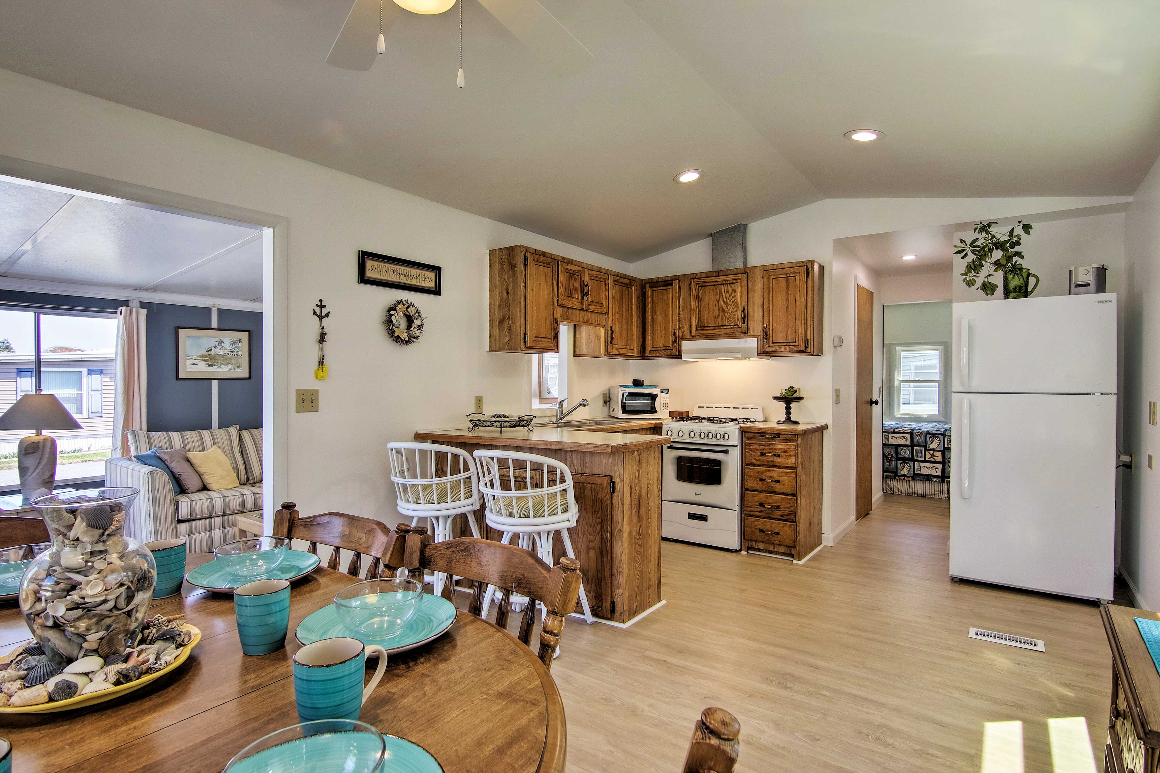 Enjoy homemade meals in the spacious kitchen!