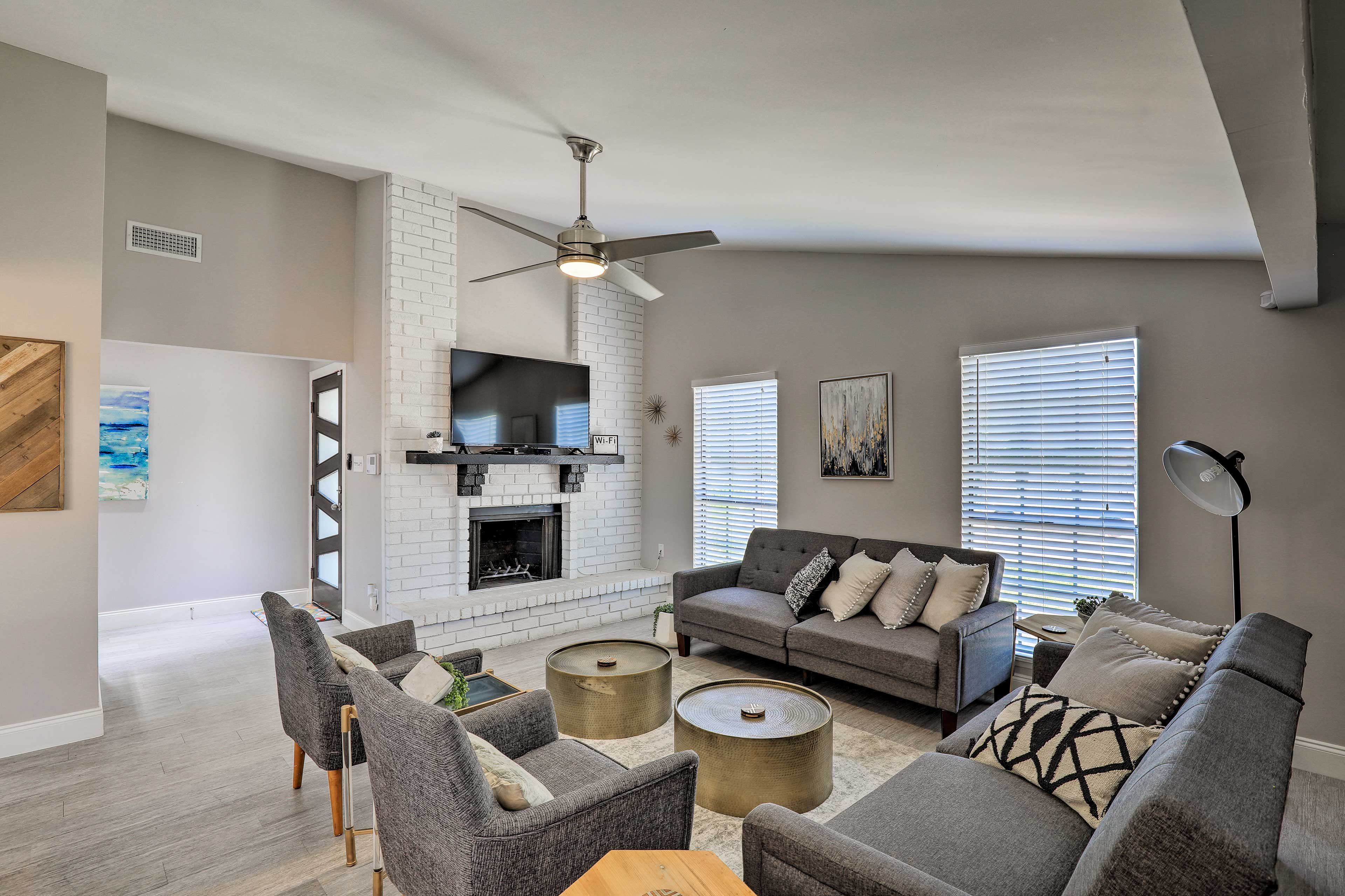Escape to Grand Prairie and stay at this 4-bed, 2-bath vacation rental!