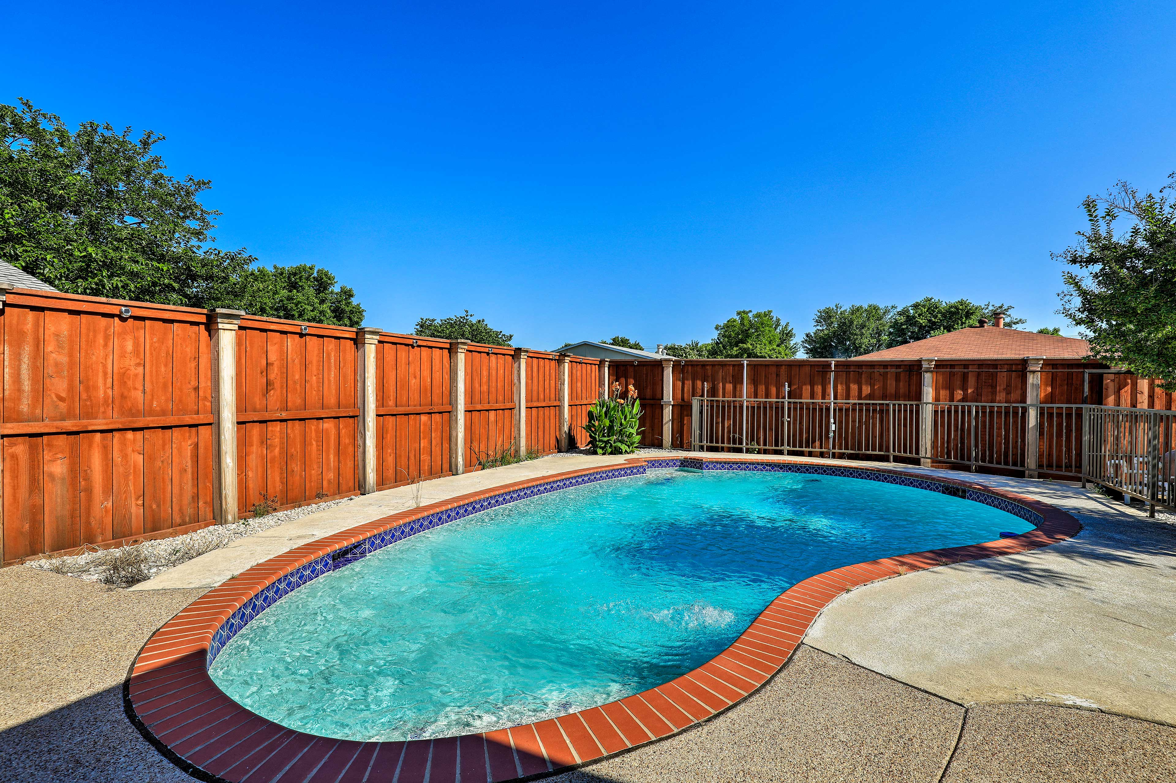Keep cool in the Texas sun in this sparkling pool.