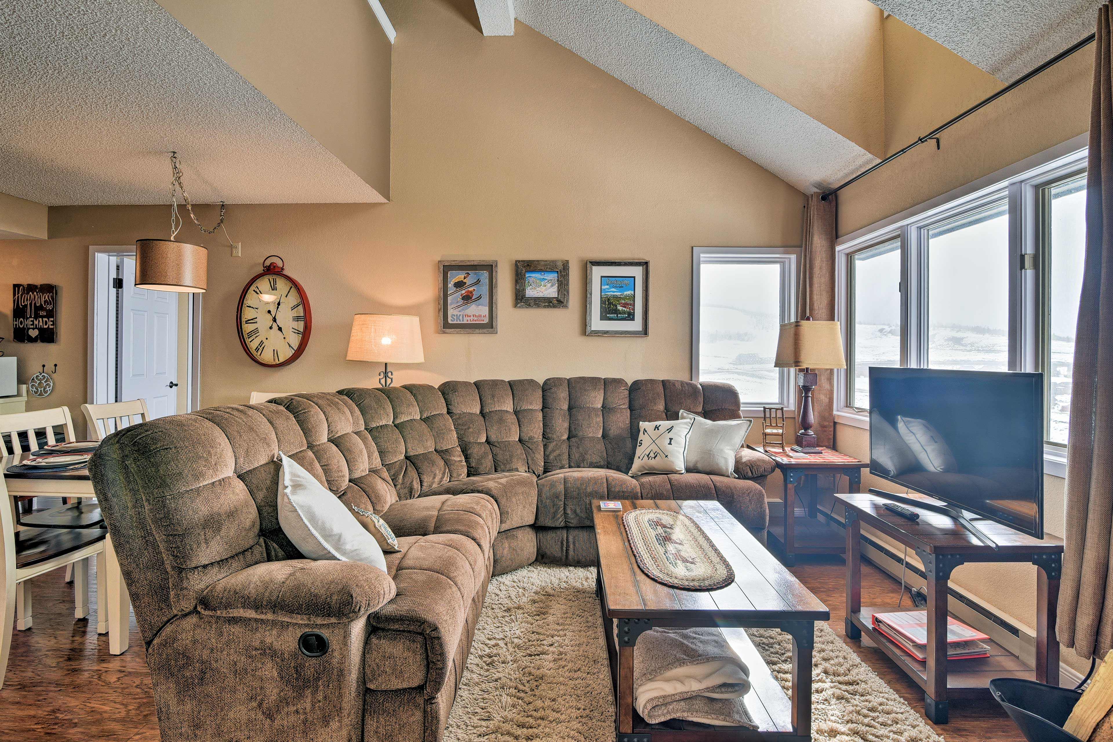 Make your next trip to Granby the best one yet with this vacation rental condo!