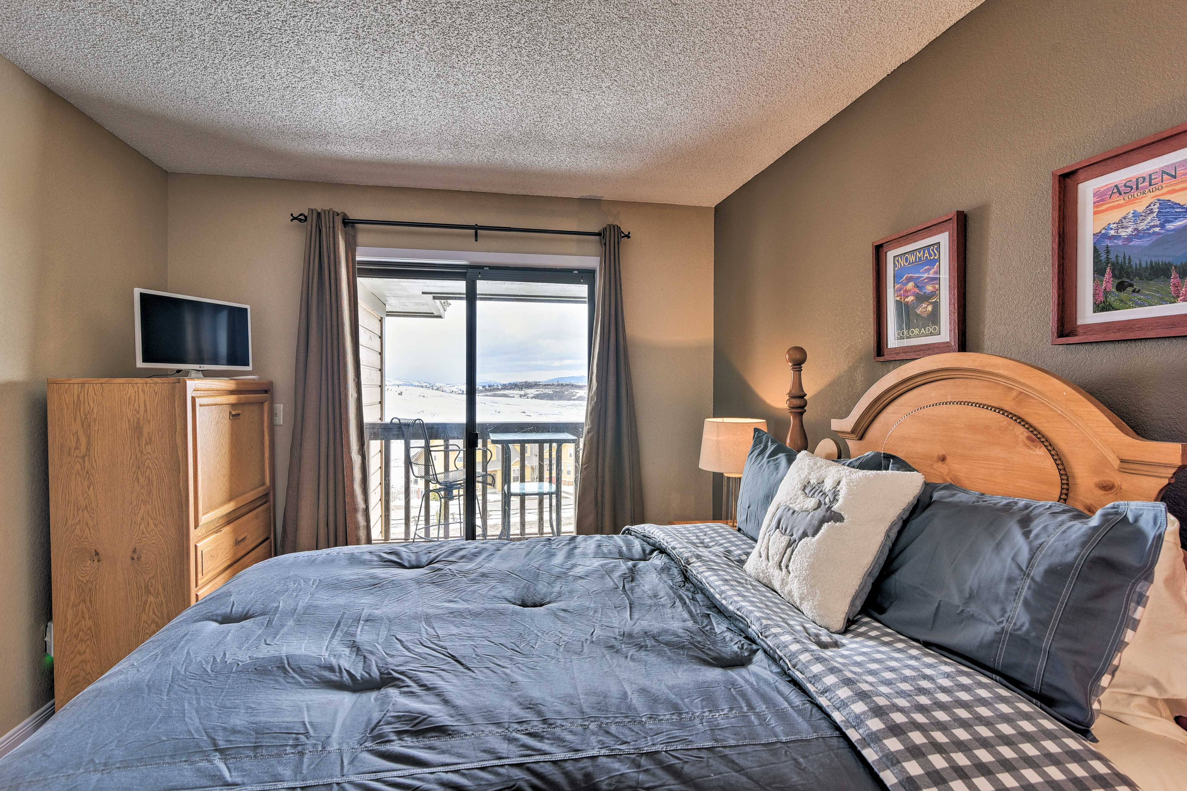 Guests staying in the second bedroom will have access to the balcony.