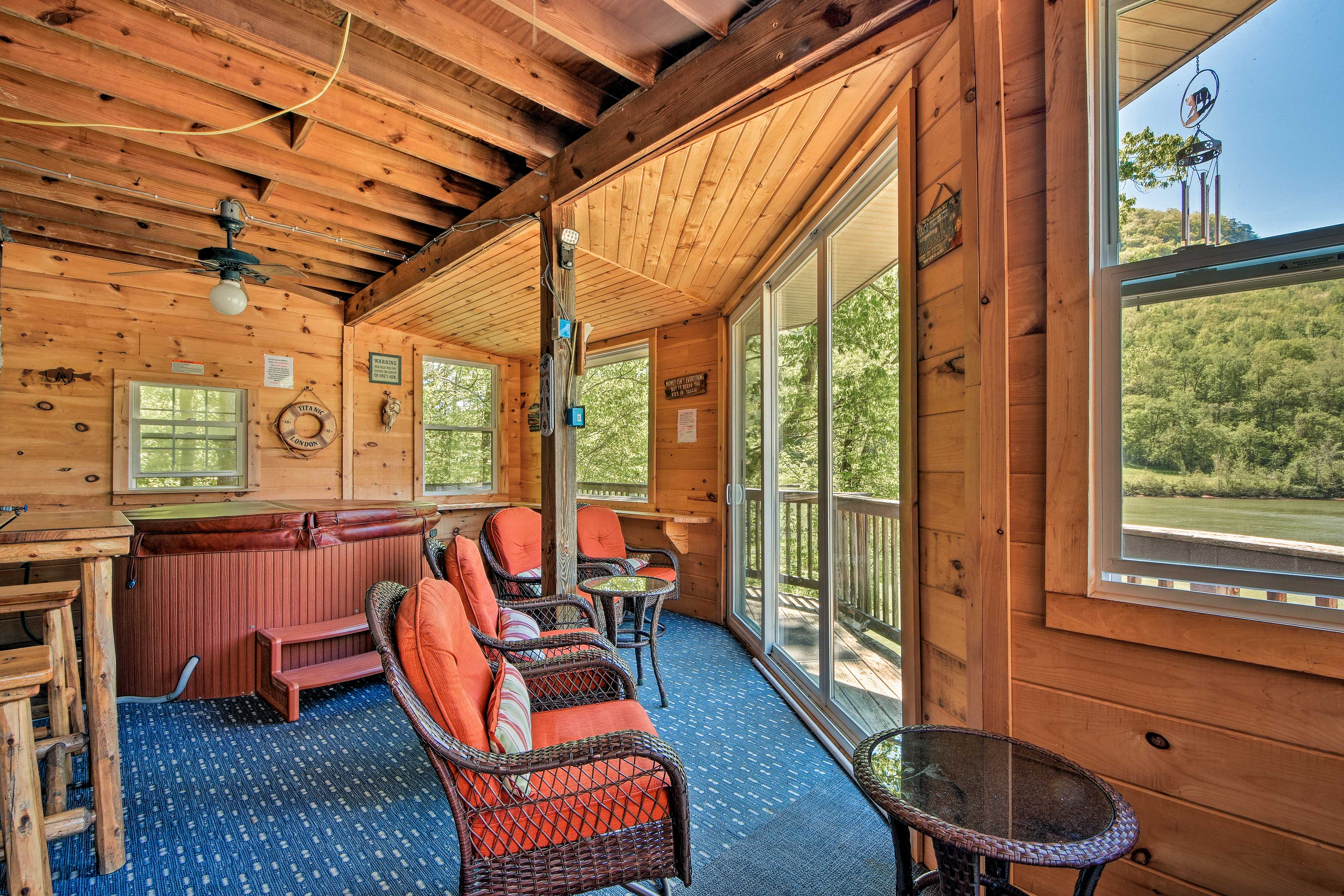 Nestled on the Tennessee River, the vacation rental is home to great amenities!
