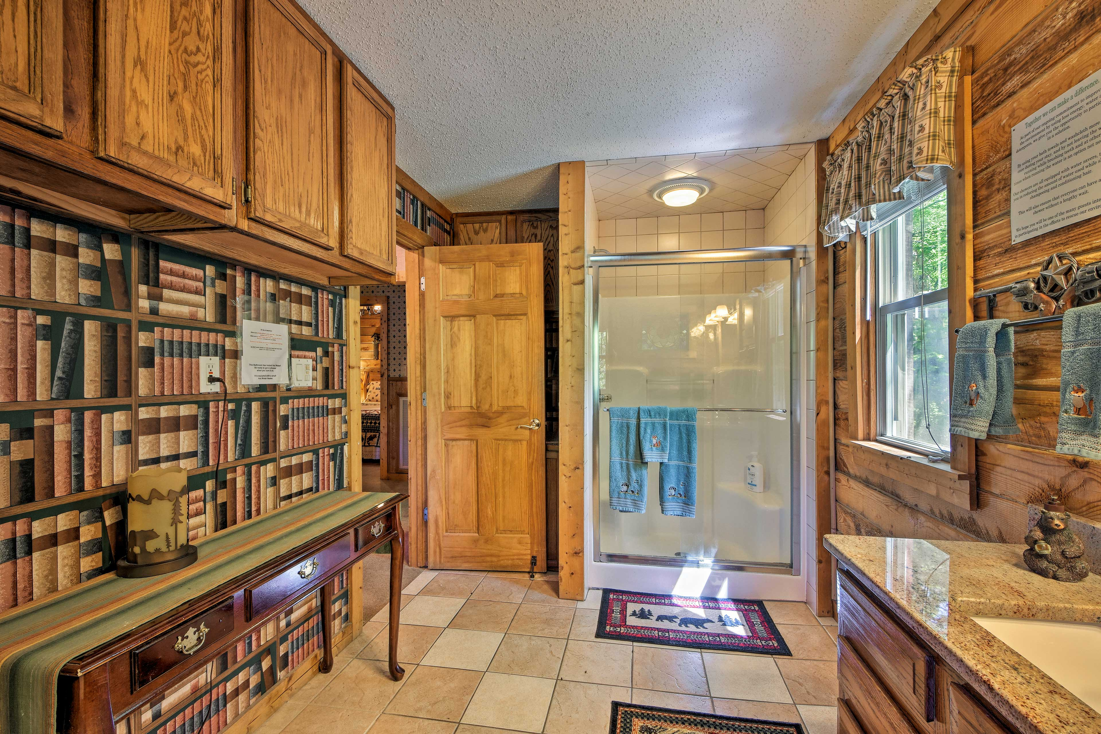 With 3 full bathrooms, this cabin ensures that no bathroom fights occur!