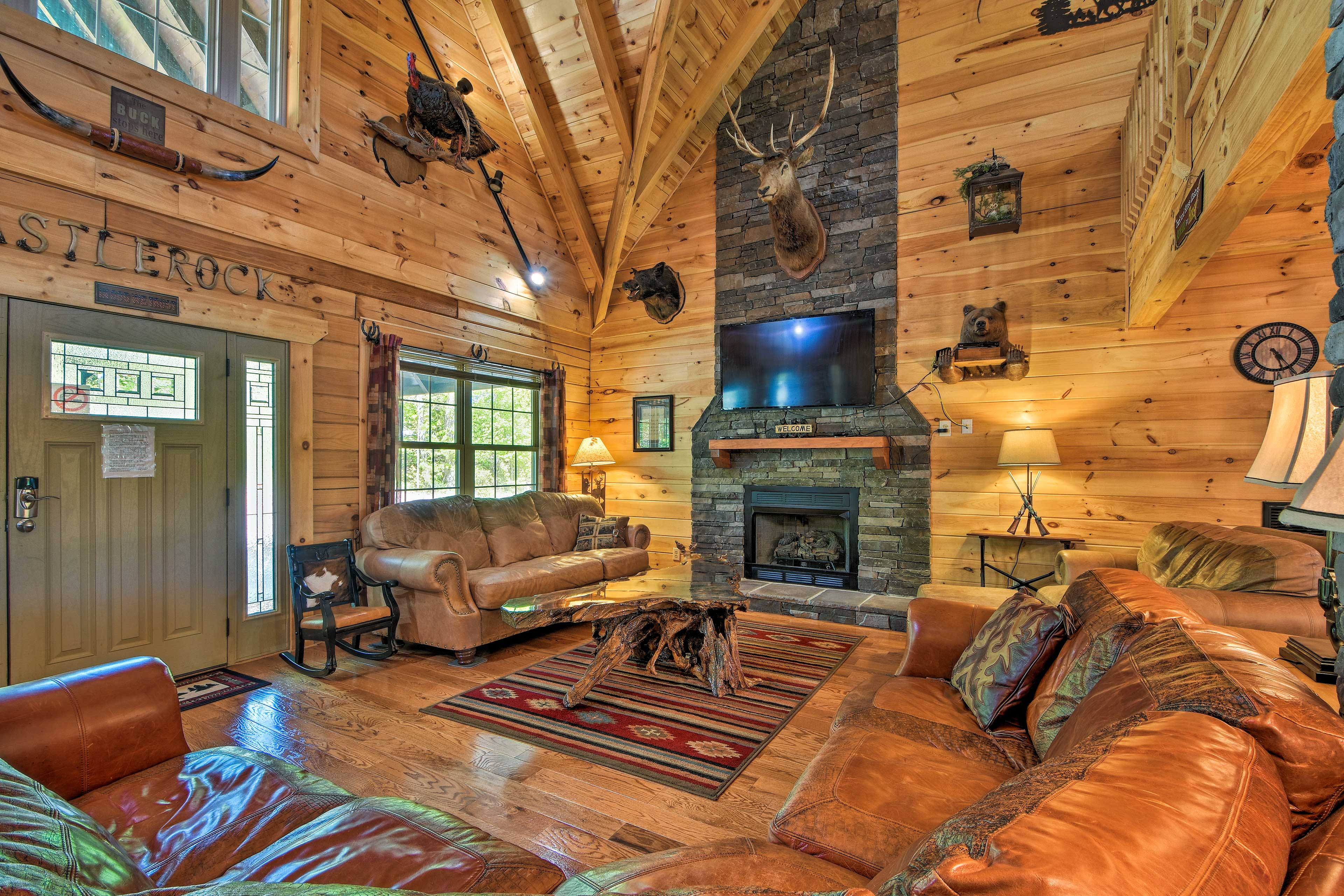 Trenton Vacation Rental Cabin   5BR   5BA   2,300 Sq Ft   No Steps Required