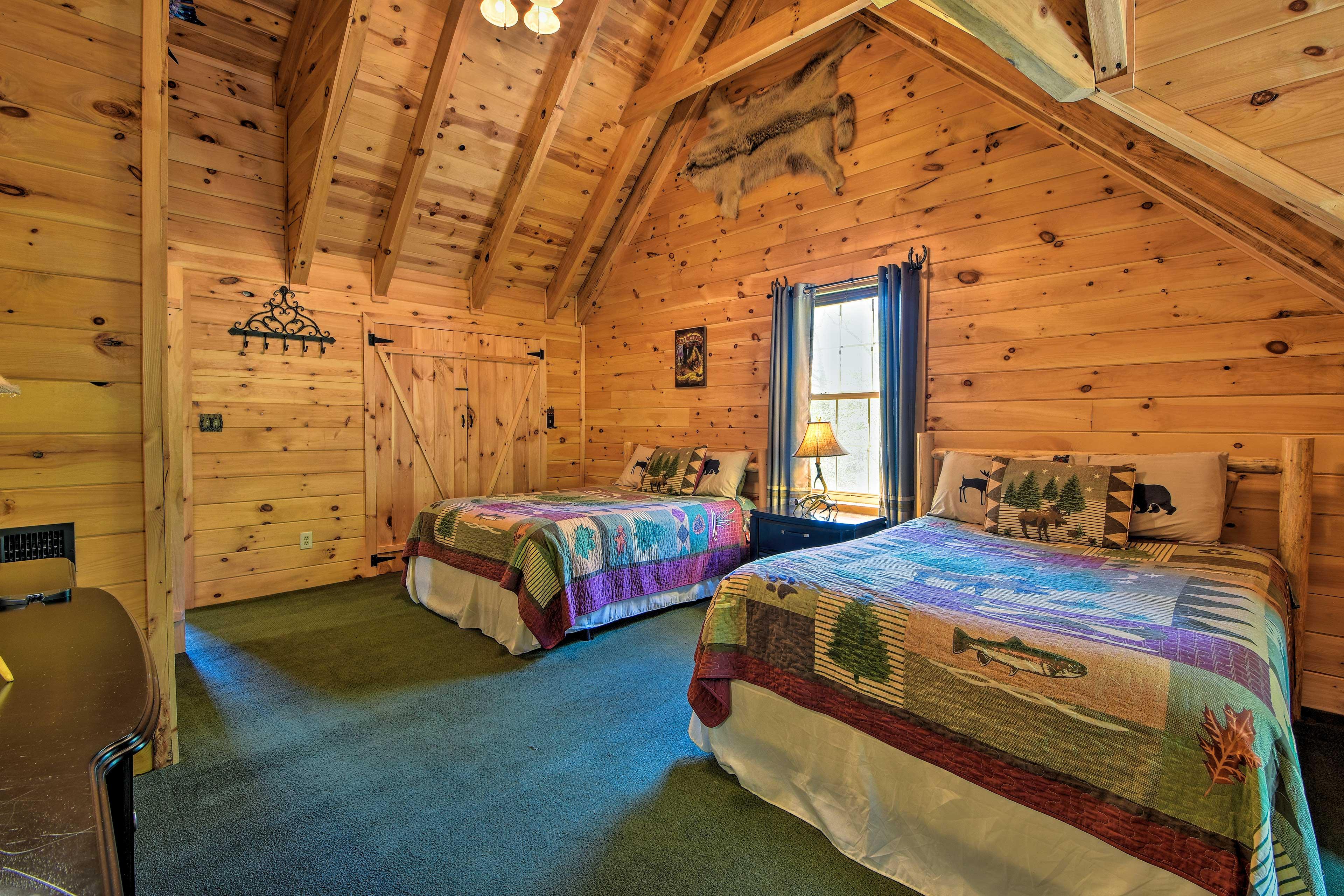 Bedroom 3   2 Queen Beds