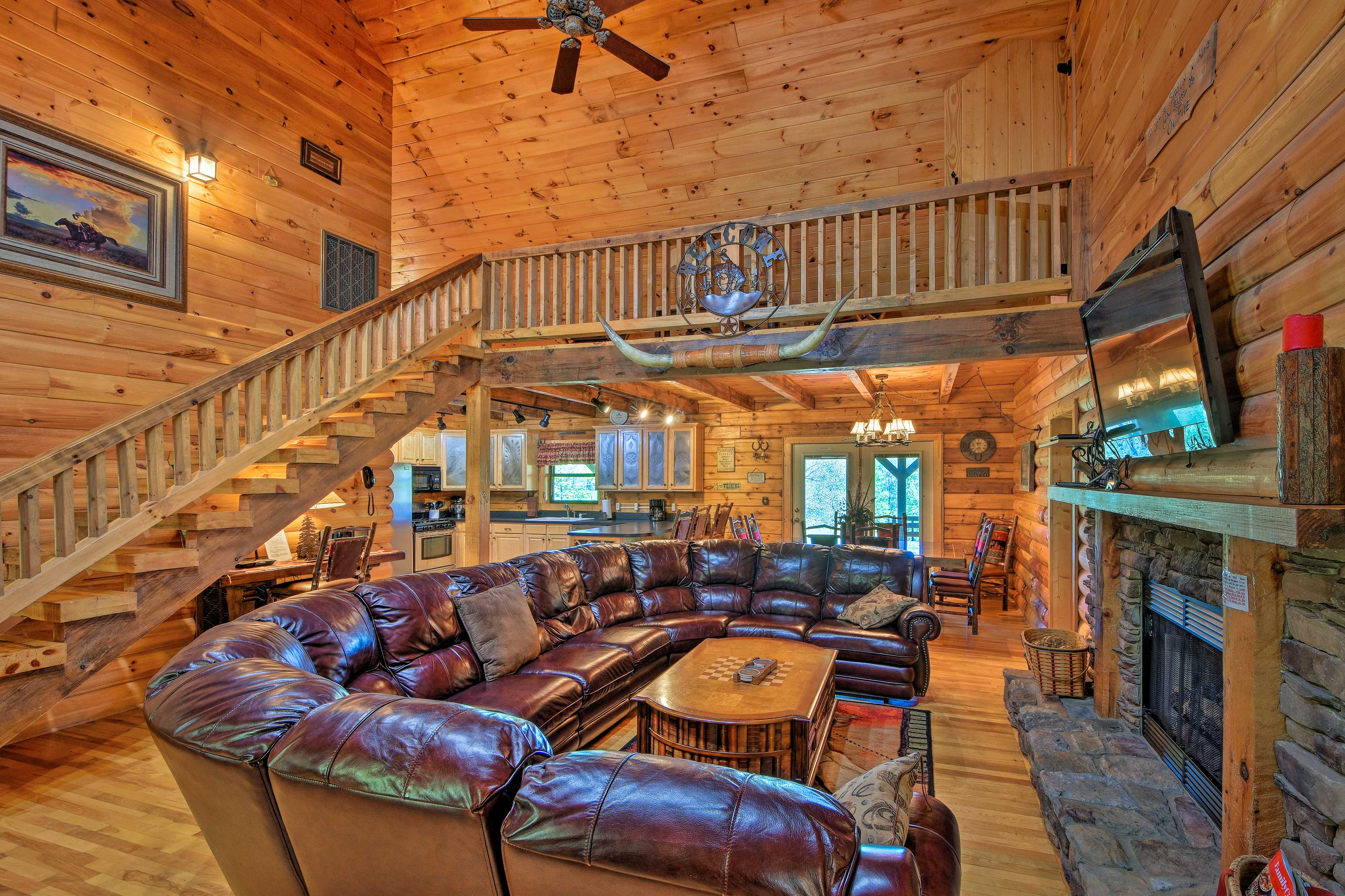 Trenton Vacation Rental Cabin   4BR   3BA   2,600 Sq Ft   Stairs Required