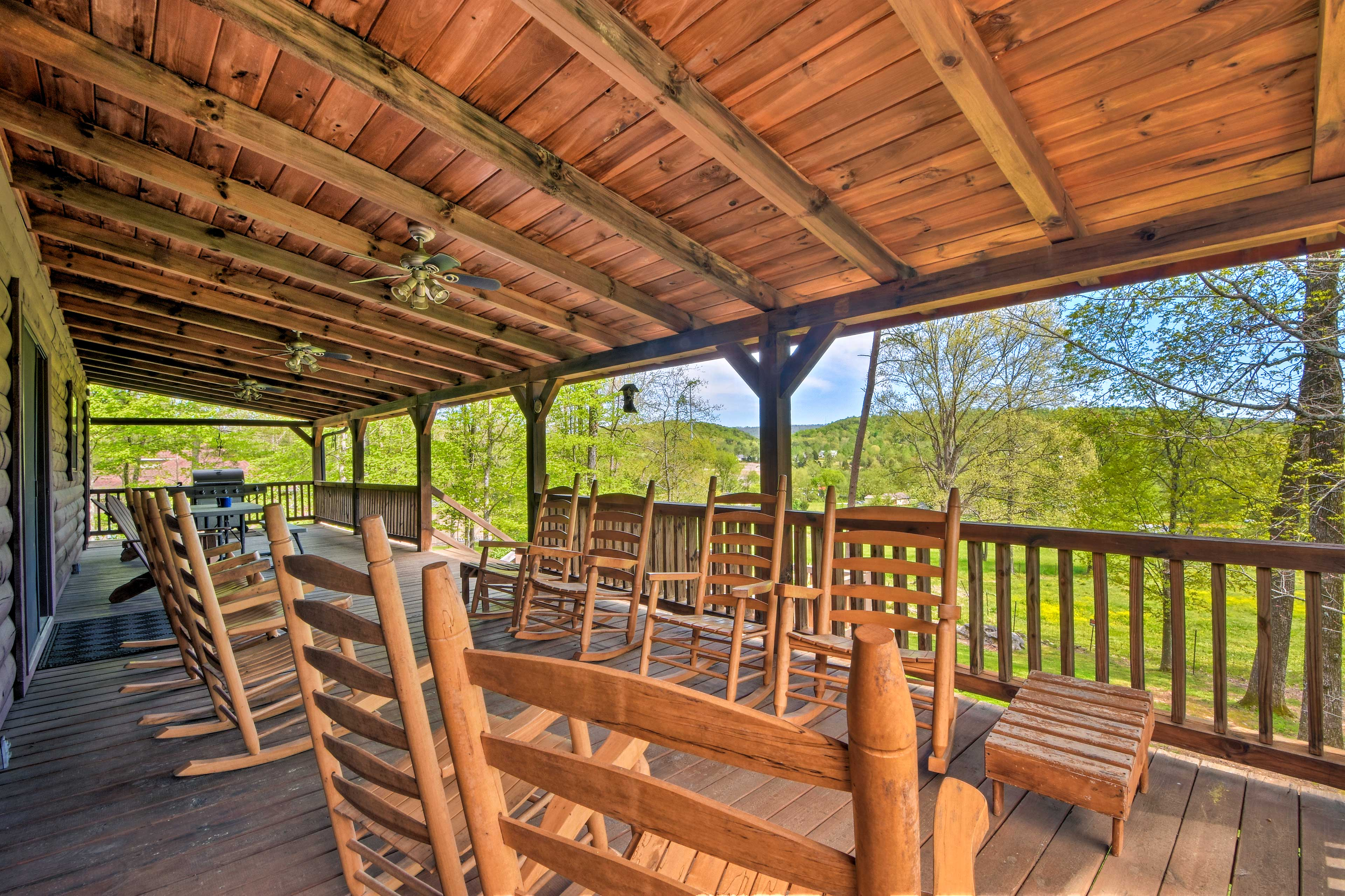 Covered Deck   Gas Grill   Rocking Chairs