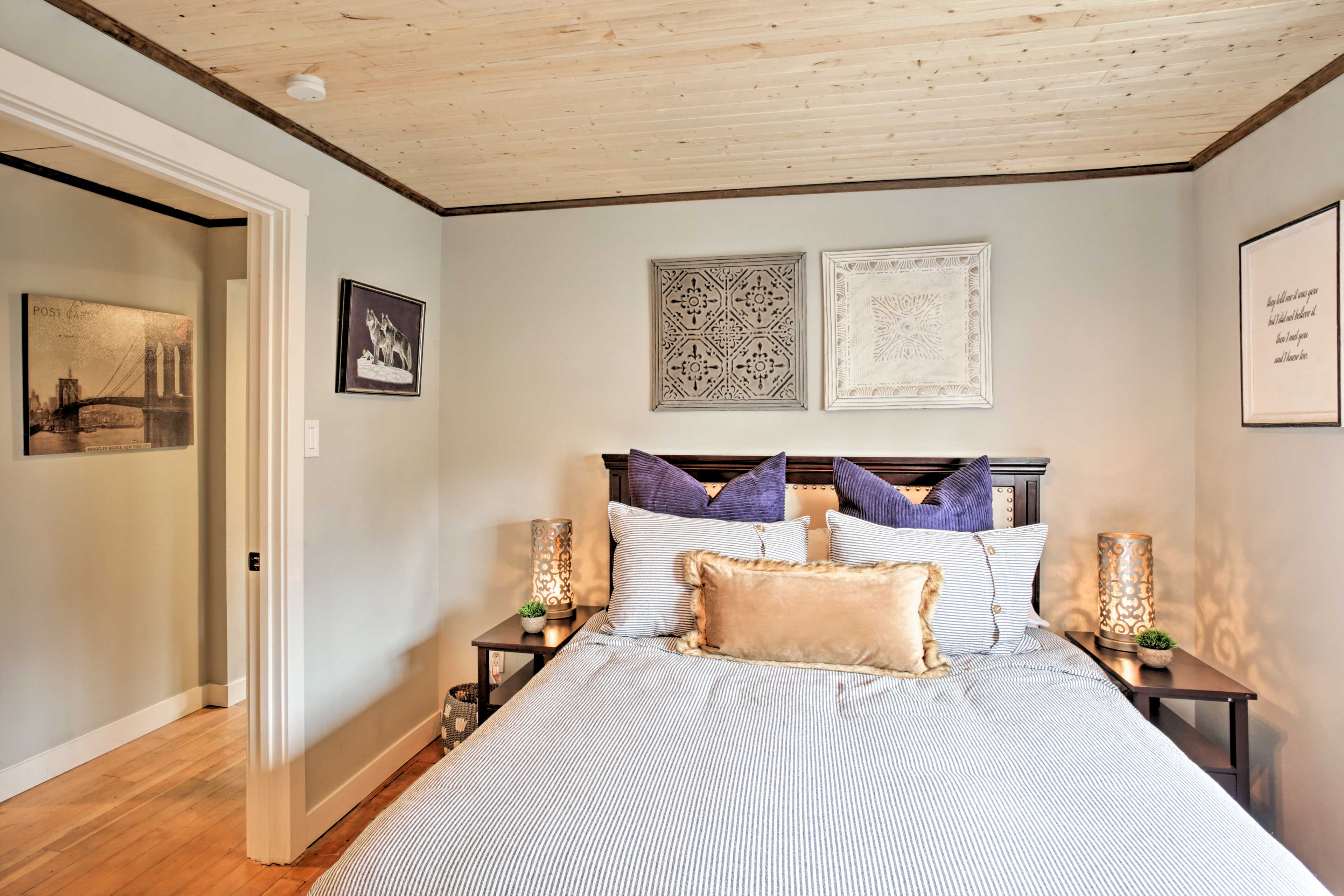 Crawl into this queen bed or the 2 twin beds for a restful night's sleep.