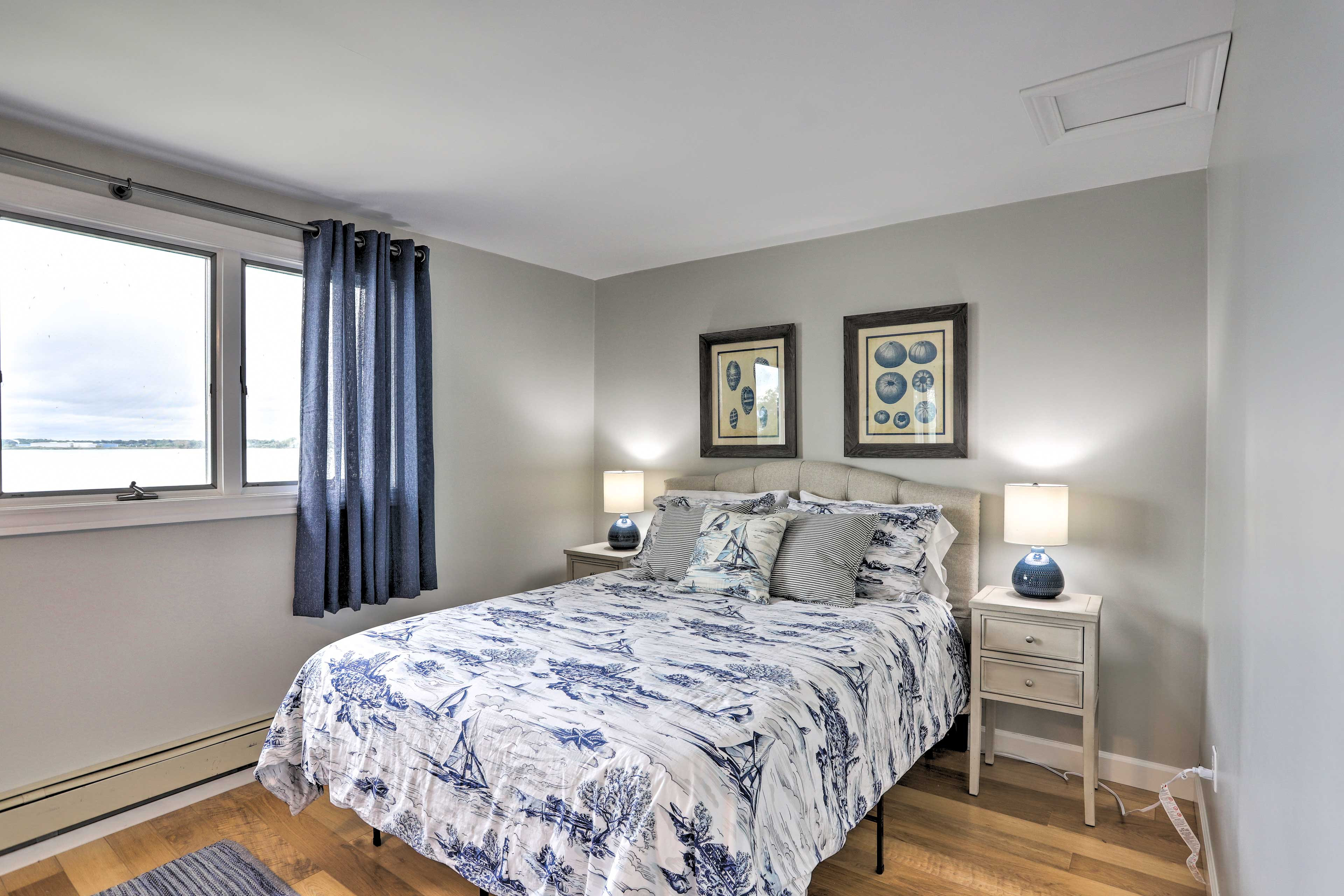 The soft tones of blue in the 2nd room are sure to calm and provide relaxation.