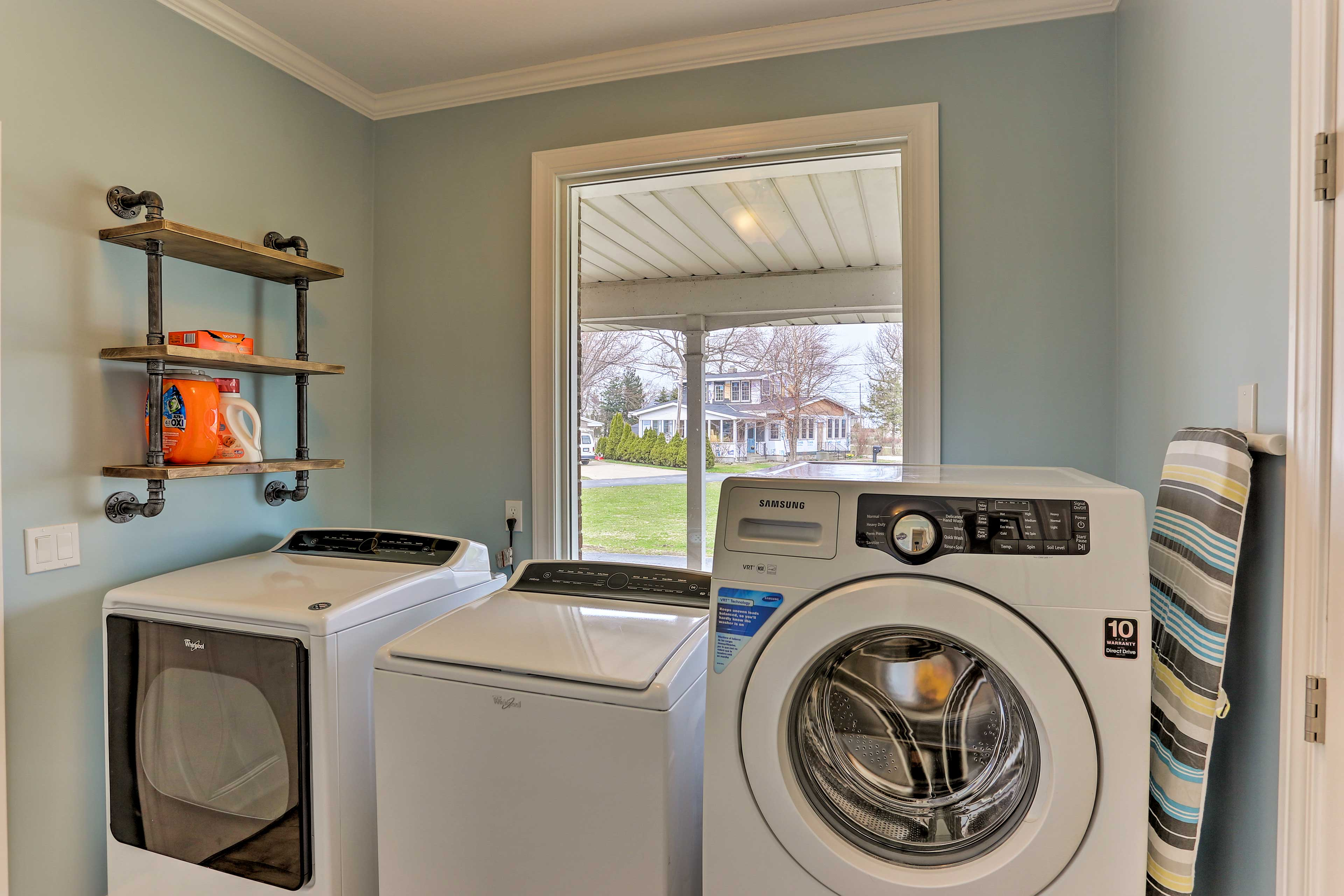 Throw in a load of clothes using multiple laundry machines.