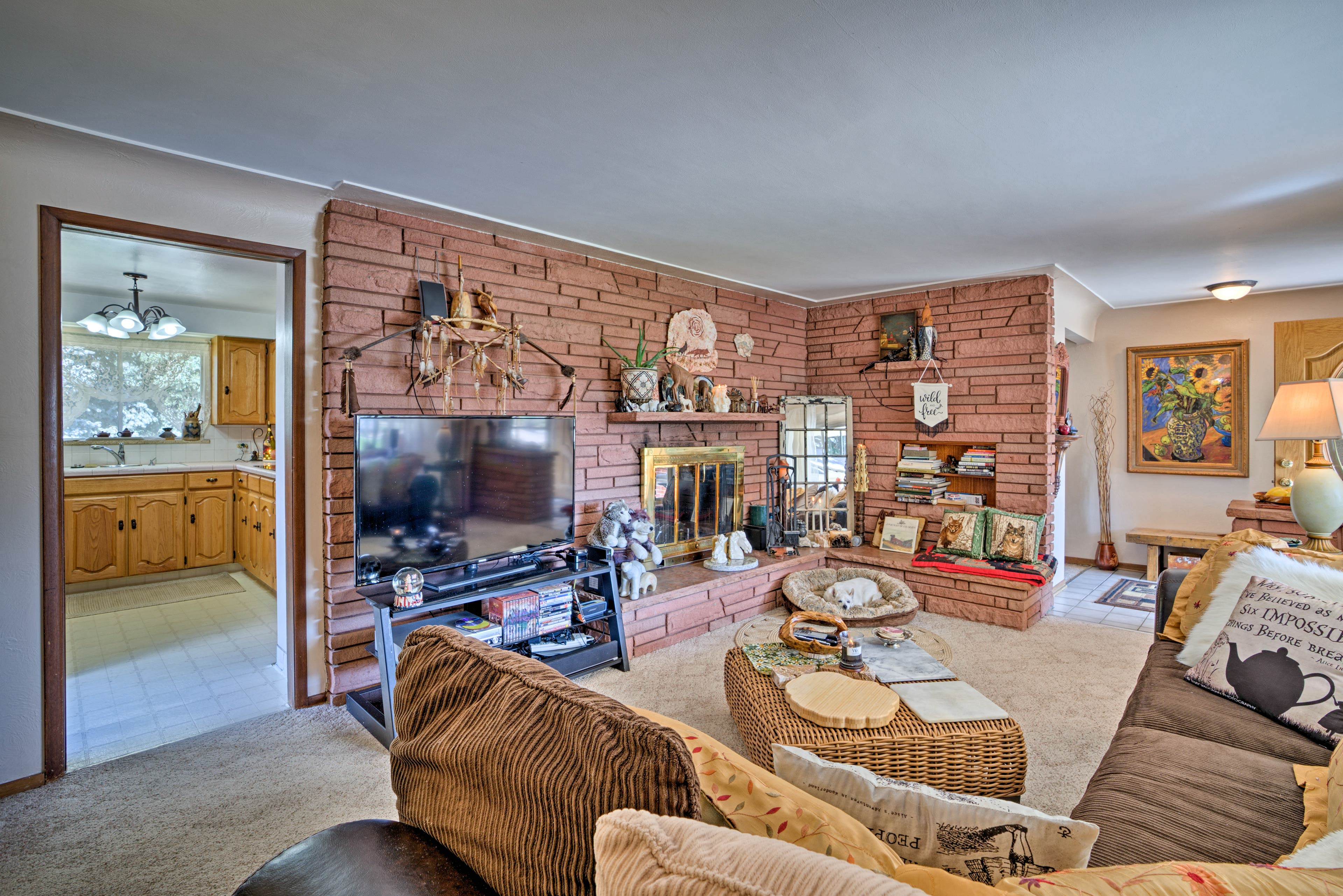 Explore Denver from this lovely vacation rental home, 'Two Wolves!'