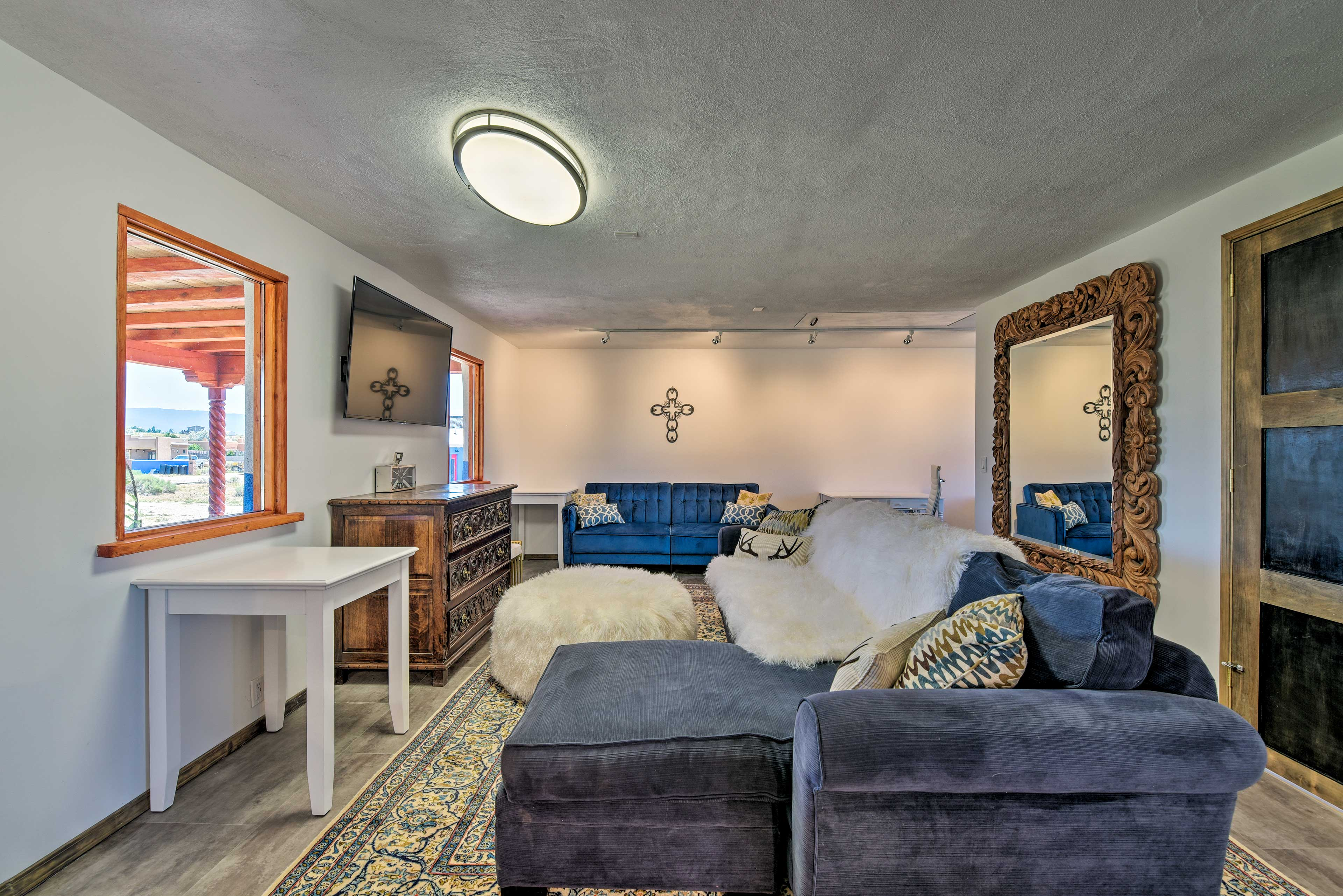 Escape to this solar-powered 1-bathroom vacation rental studio in Taos.