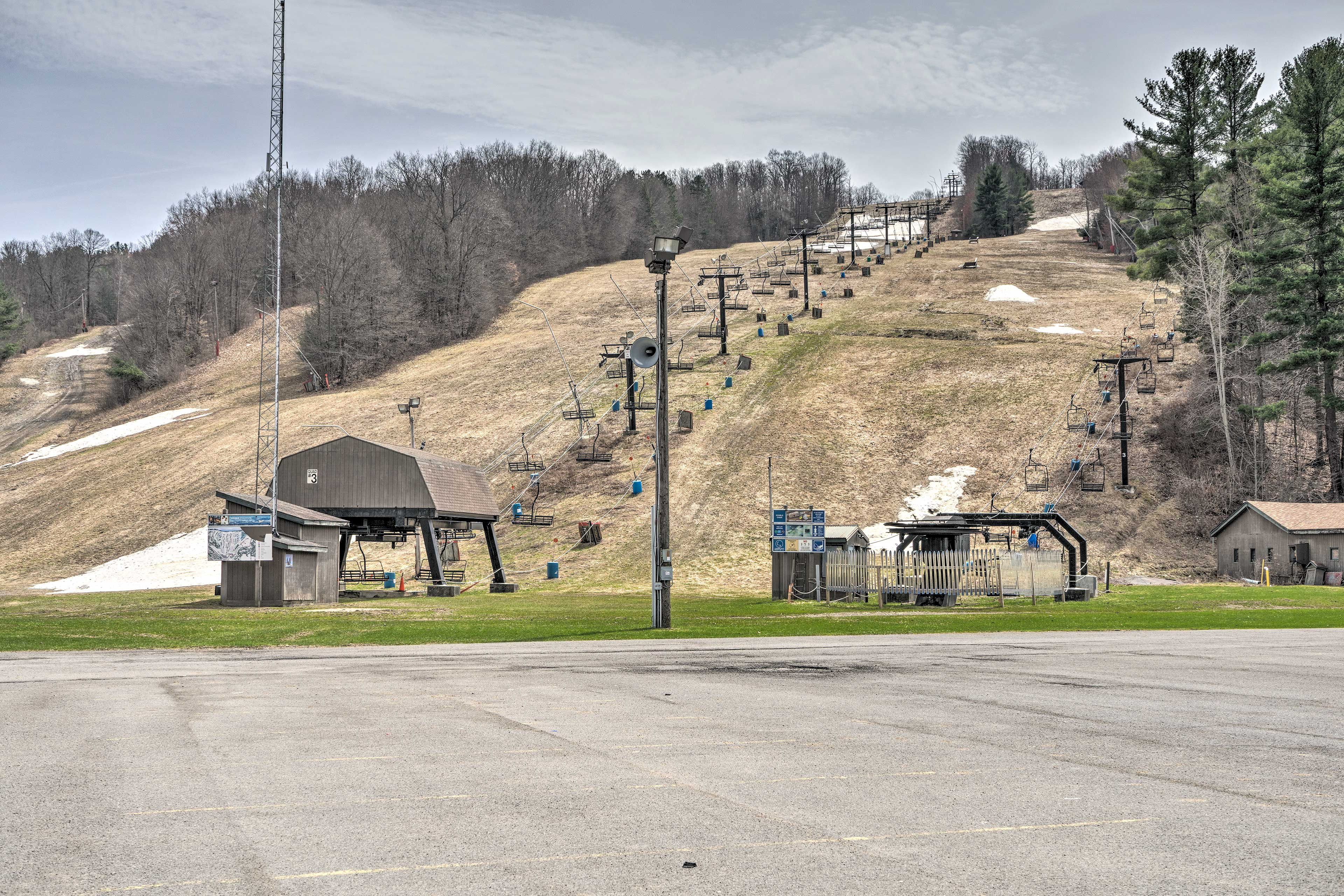This resort features slopes for all skill levels!